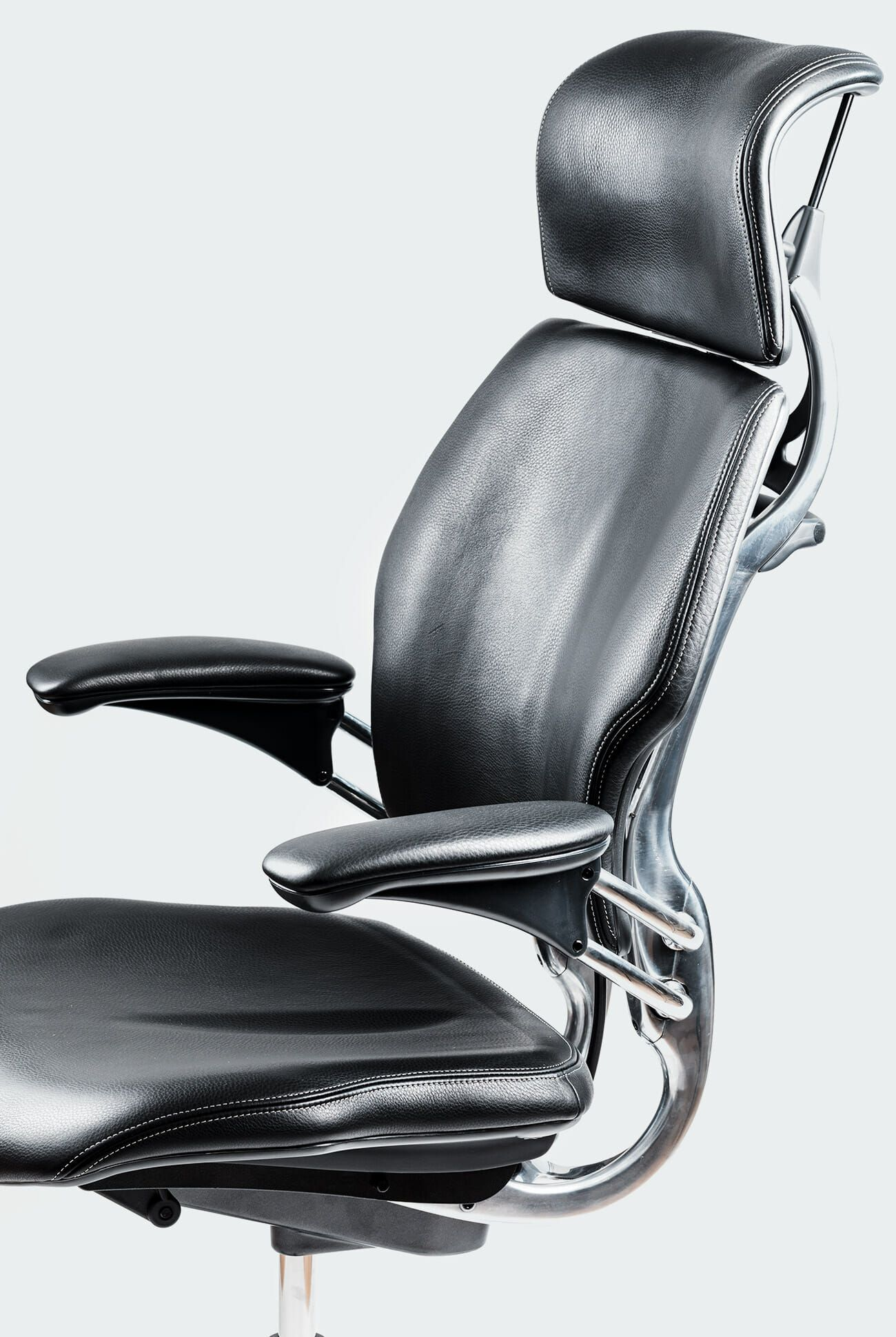 Marvelous The 14 Best Office Chairs Of 2019 Gear Patrol Pabps2019 Chair Design Images Pabps2019Com