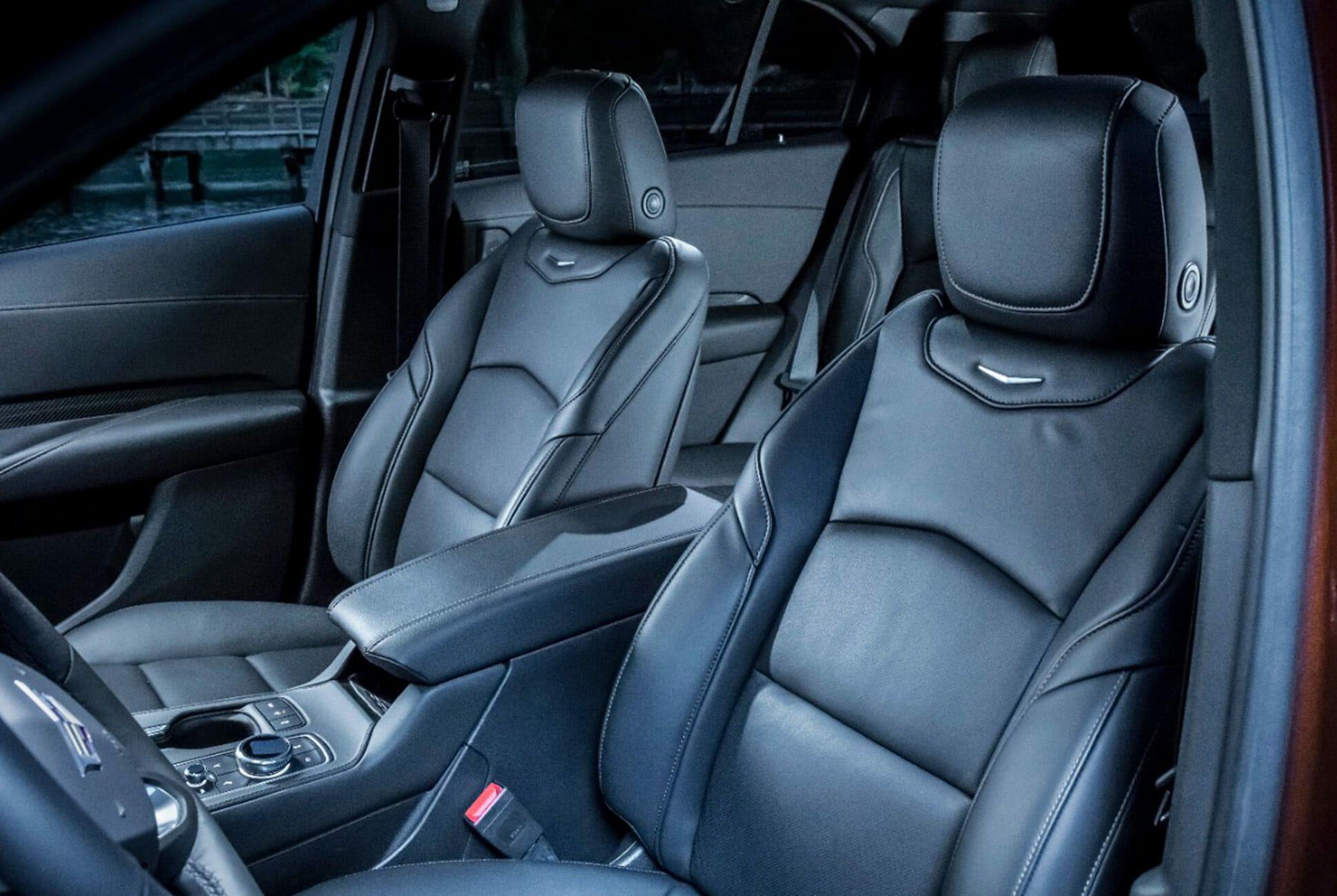 2019-Cadillac-XT4-Gear-Patrol-slide-6