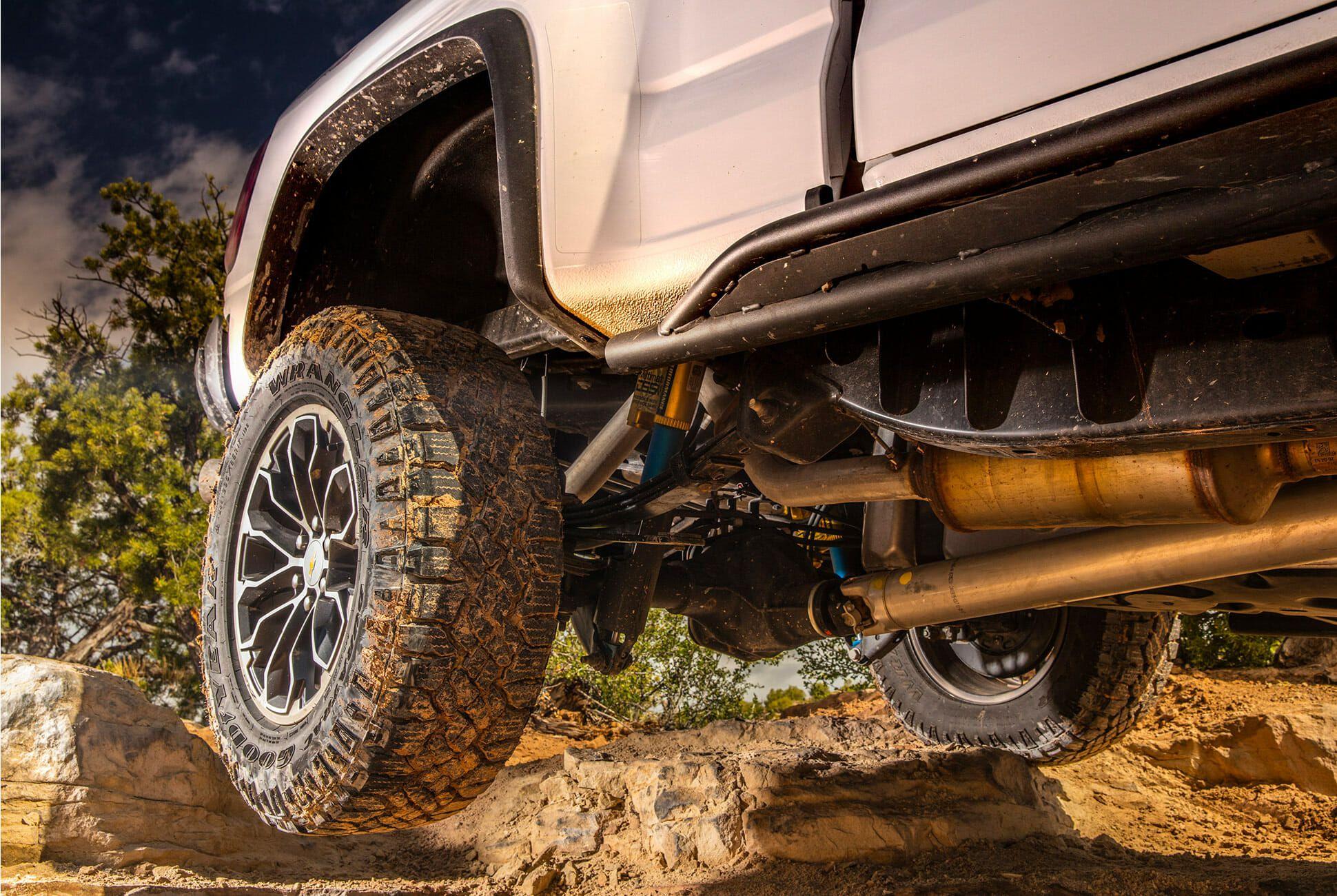 Chevy-Colorado-ZR2-Review-Gear-Patrol-Slide-3