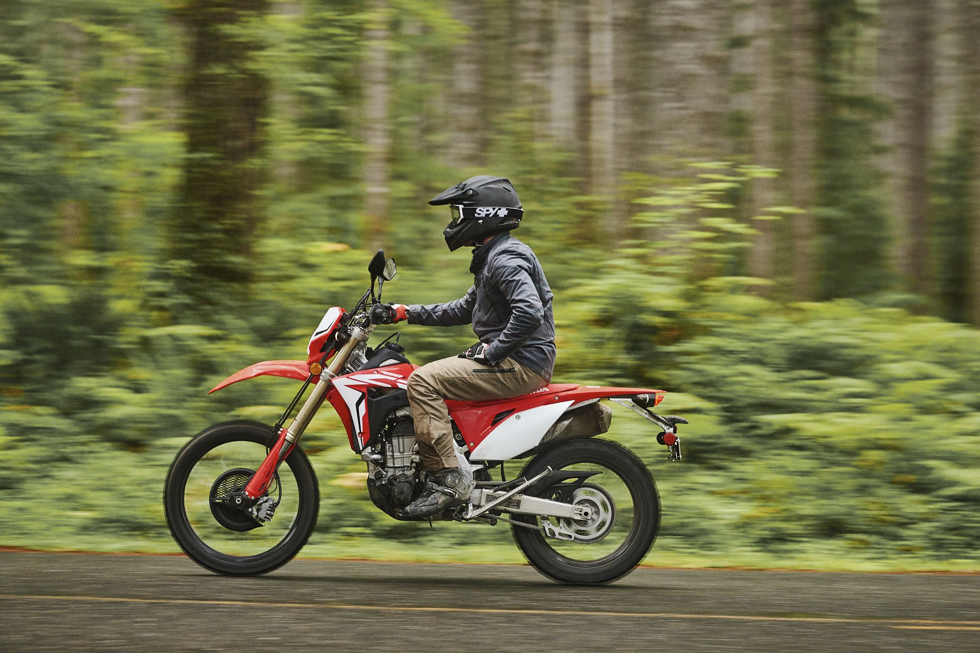 Honda-CRF-450L-Gear-Patrol-Slide-12
