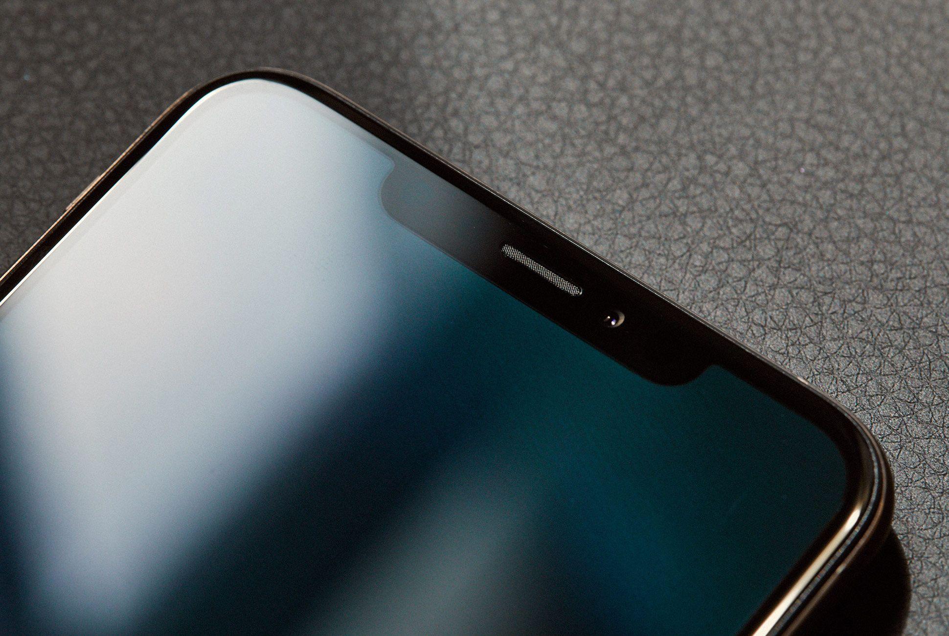 Iphone-X-XS-Review-Gear-Patrol-Slide-5