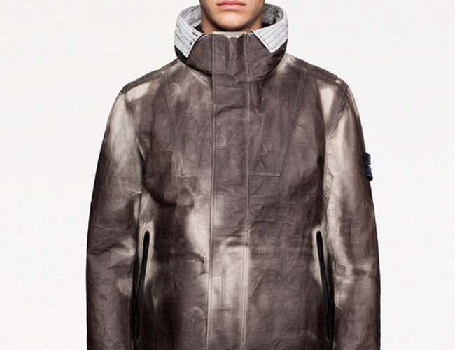 This Thermo-Sensitive Dyneema Jacket Could Change Technical Wear Forever