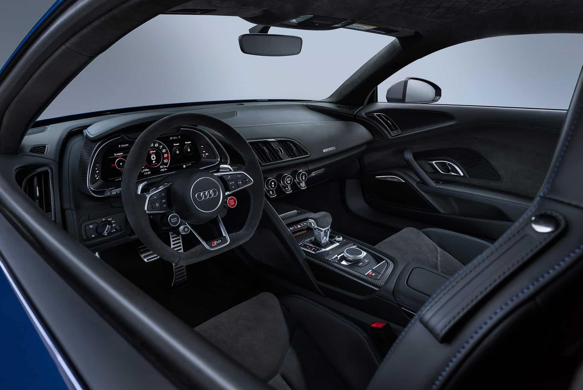 Facelift-Audi-R8-V10-gear-patrol-slide-7