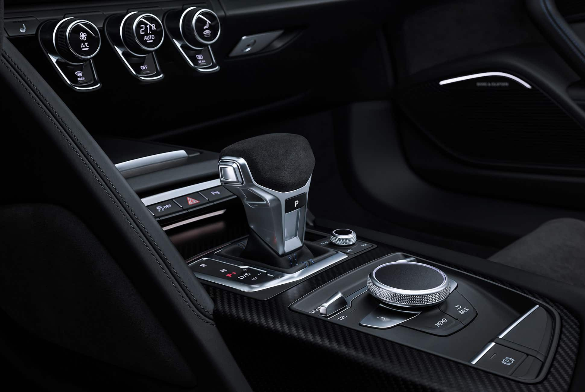 Facelift-Audi-R8-V10-gear-patrol-slide-8