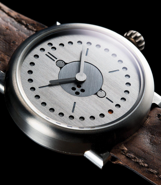 M2W-Time-Telling-Gear-Patrol-Oochs-1