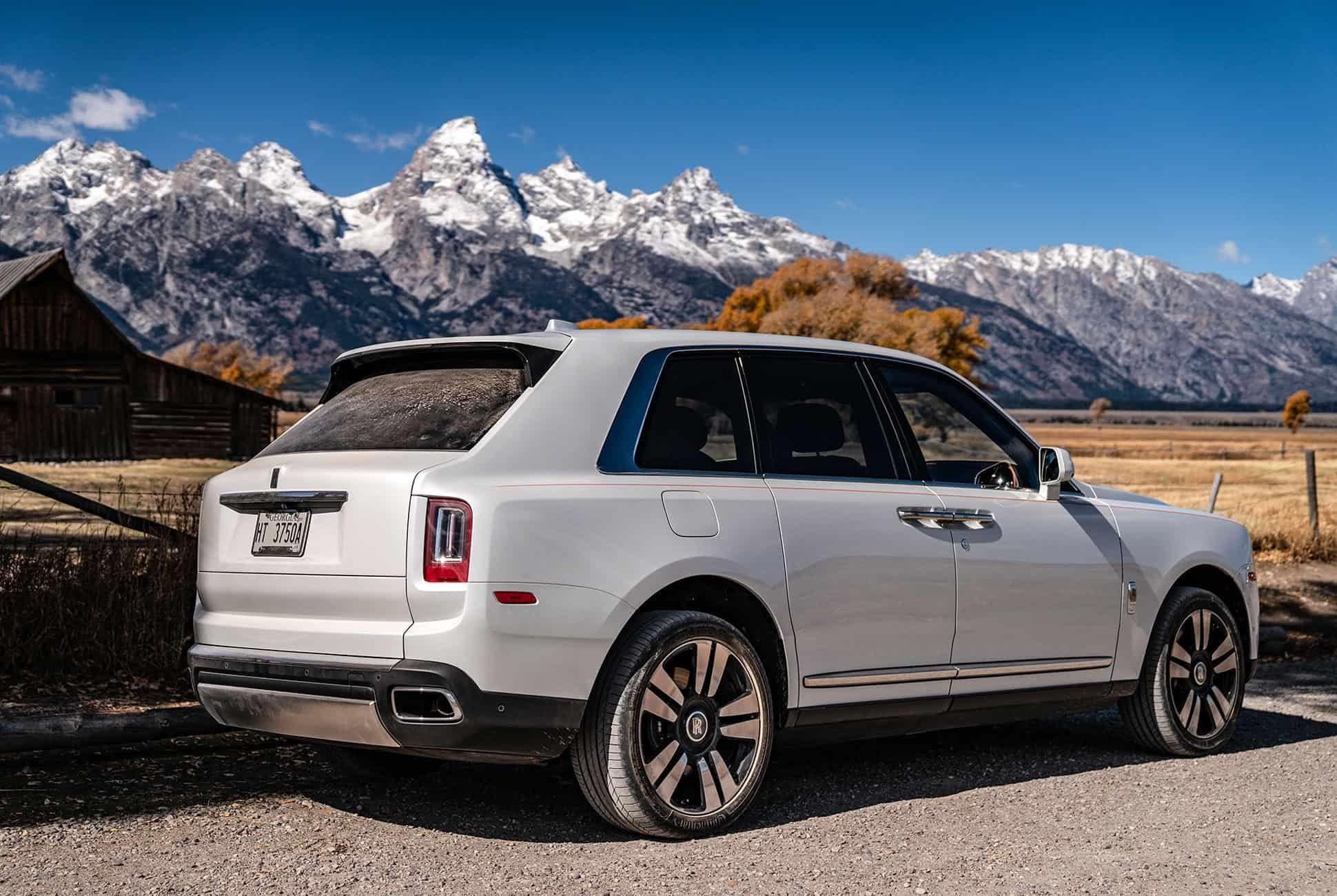 Rolls-Royce-Cullinan-Review-gear-patrol-slide-7