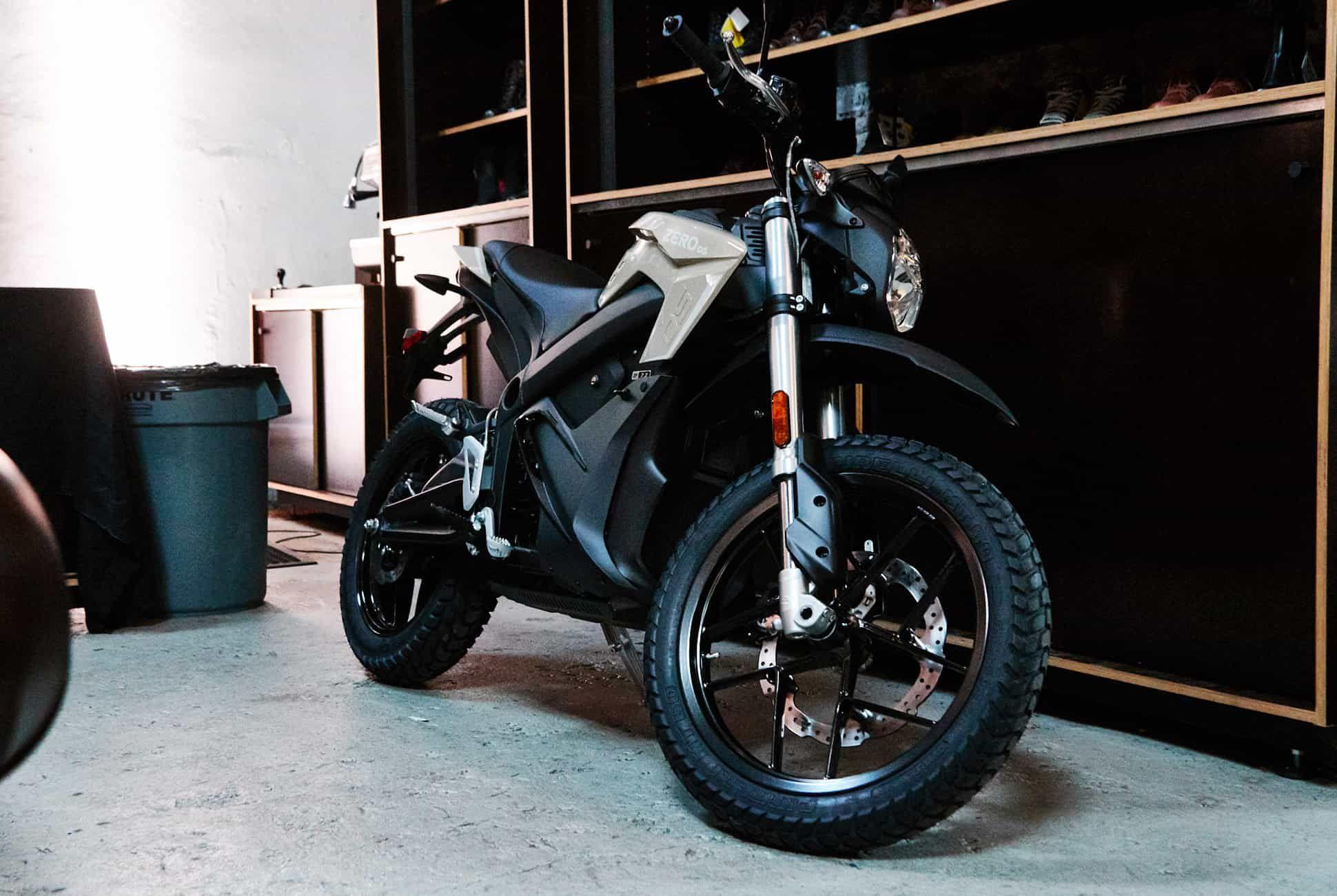 Zero-Motorcycles-2019-Gear-Patrol-Slide-4