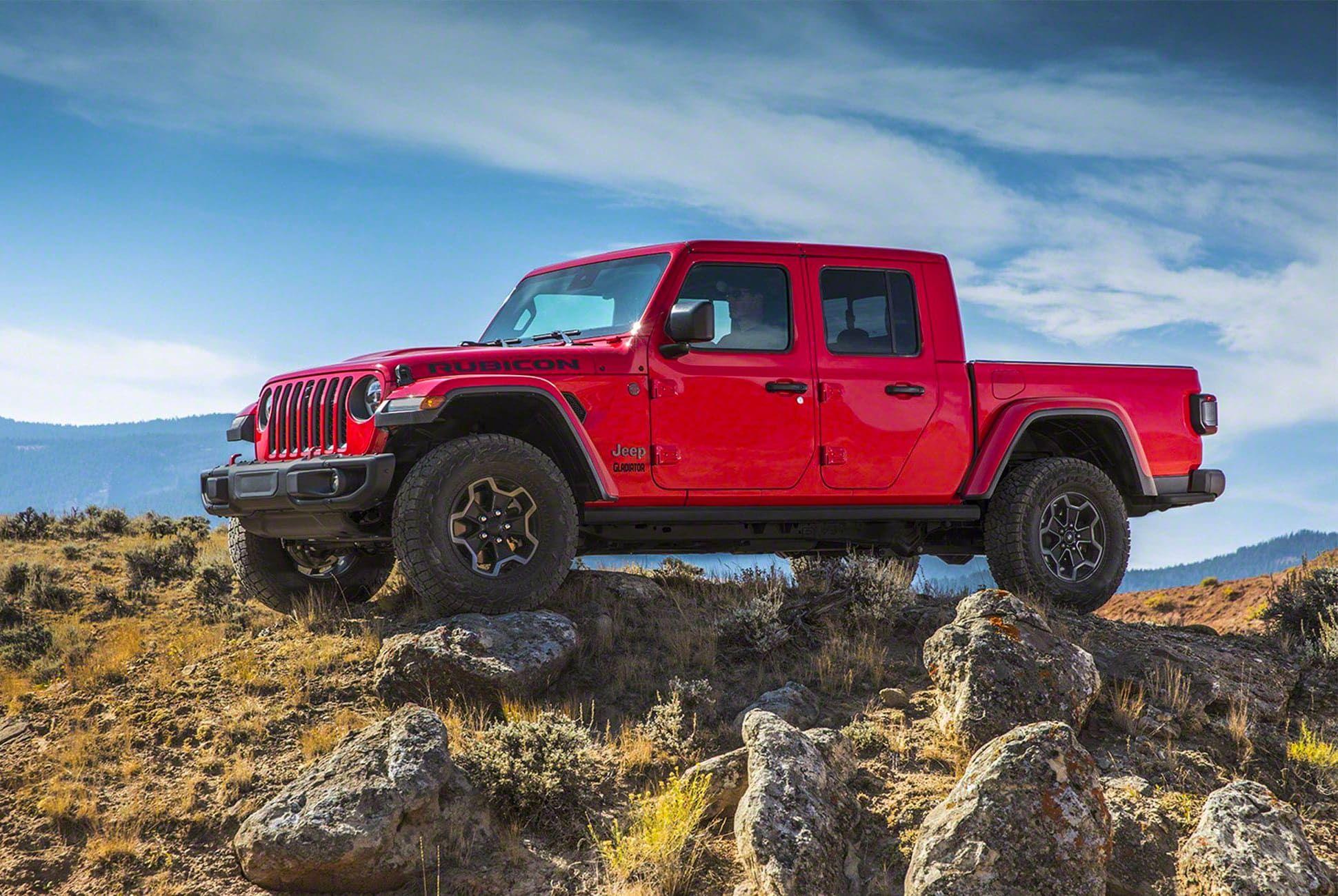 2019-Jeep-Gladiator-gear-patrol-slide-1