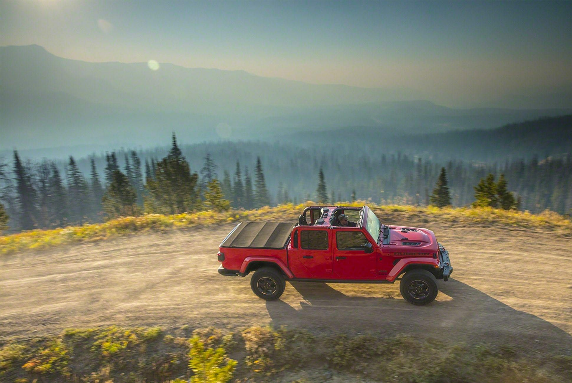 2019-Jeep-Gladiator-gear-patrol-slide-4