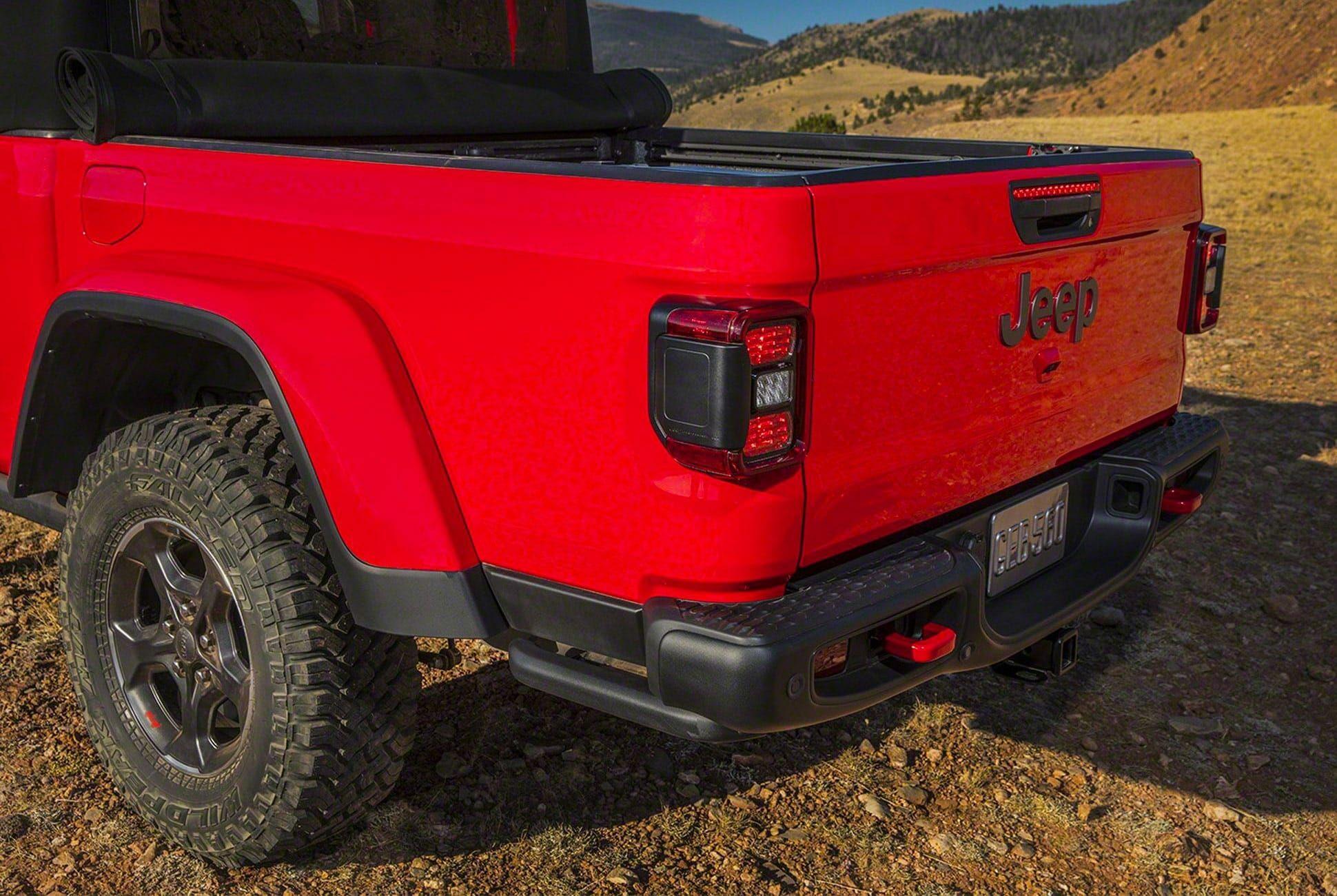 2019-Jeep-Gladiator-gear-patrol-slide-6