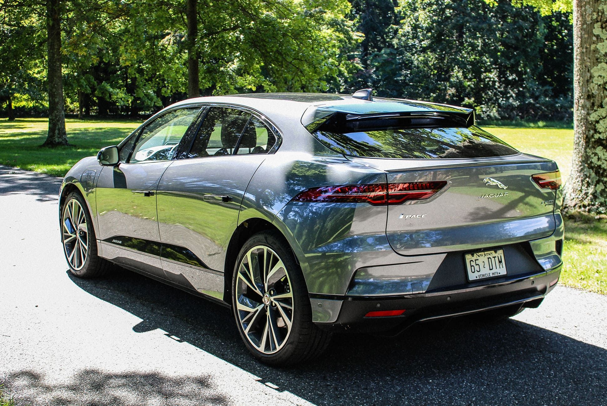 Jaguar-I-Pace-Review-gear-patrol-slide-6