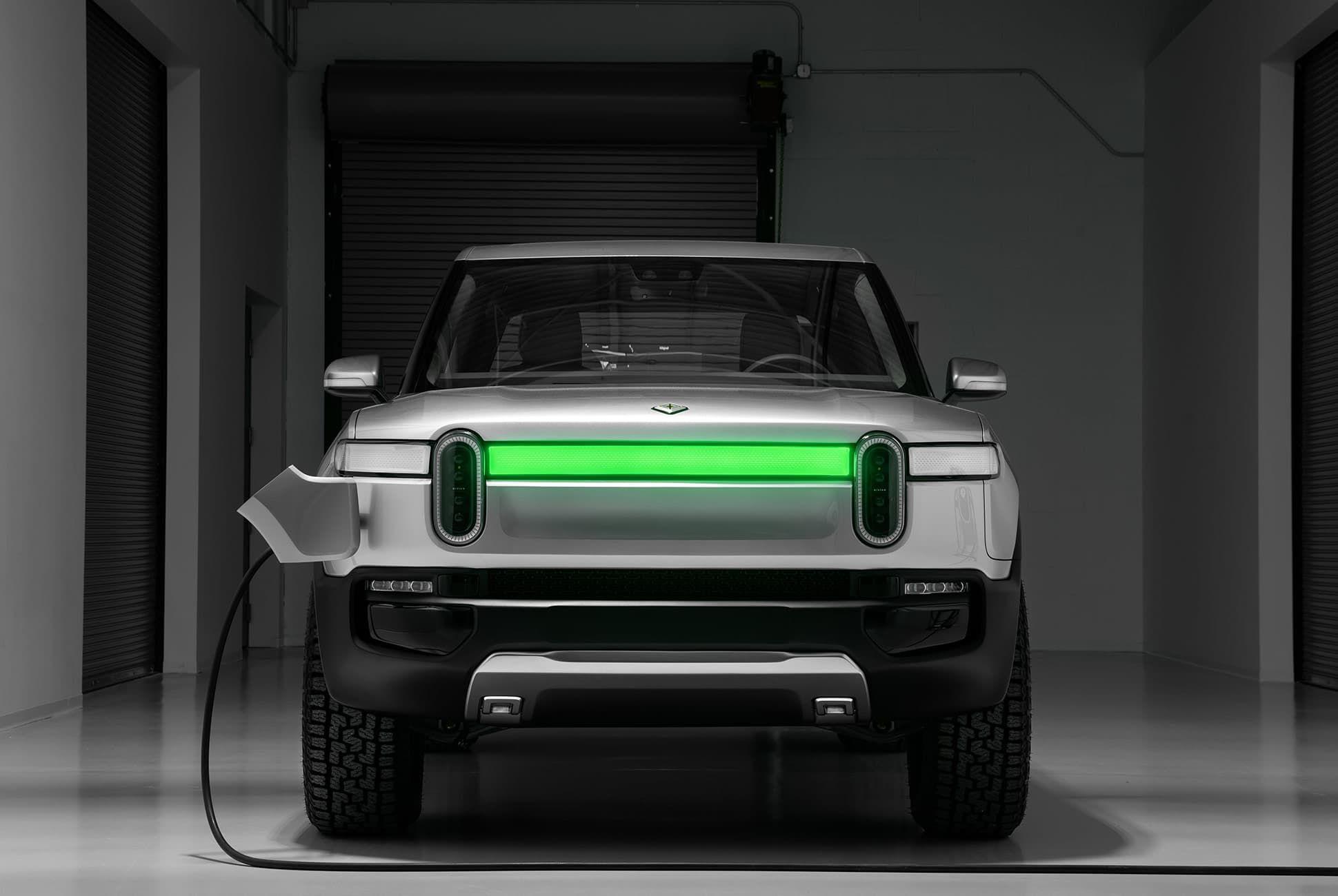 Rivian-R1T-Electric-Truck-gear-patrol-slide-8