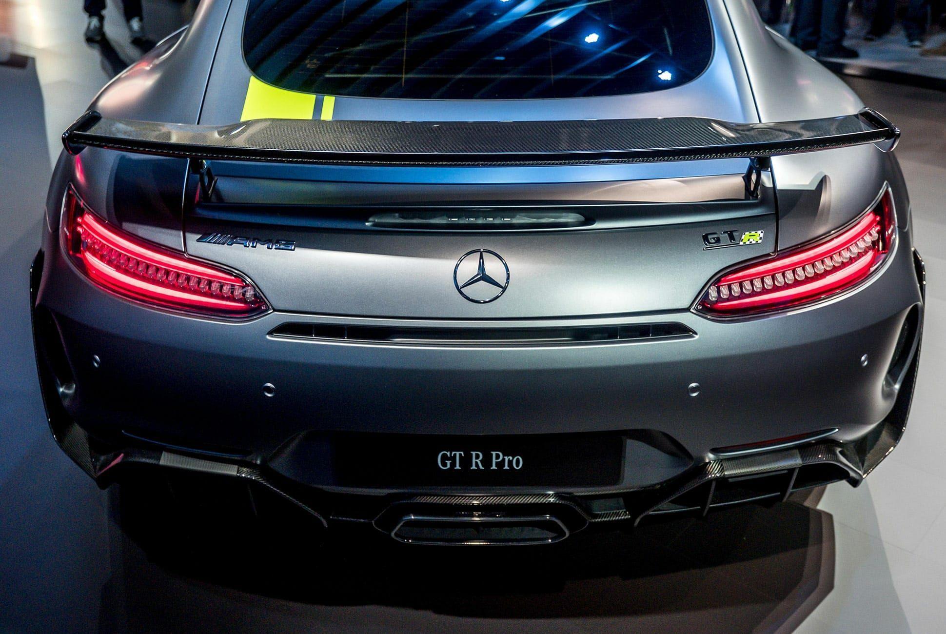 Top-10-LA-Auto-Show-Cars-gear-patrol-AMG-GTR-Pro-slide-3