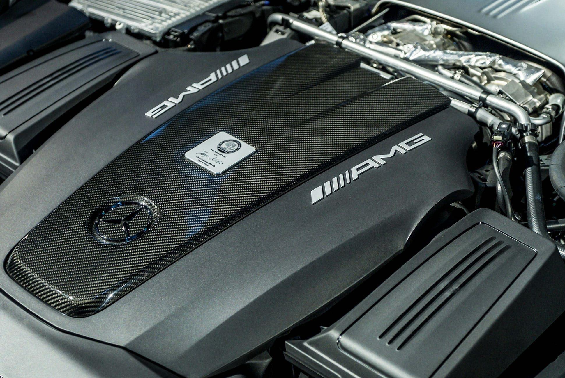 Top-10-LA-Auto-Show-Cars-gear-patrol-AMG-GTR-Pro-slide-4