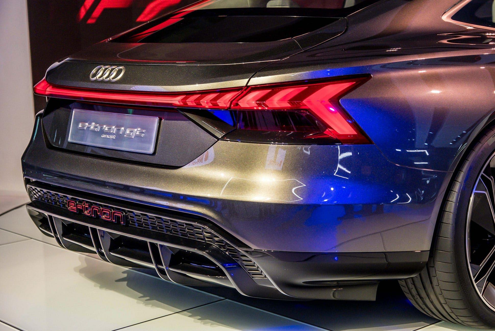 Top-10-LA-Auto-Show-Cars-gear-patrol-Audi-E-Tron-GT-slide-4