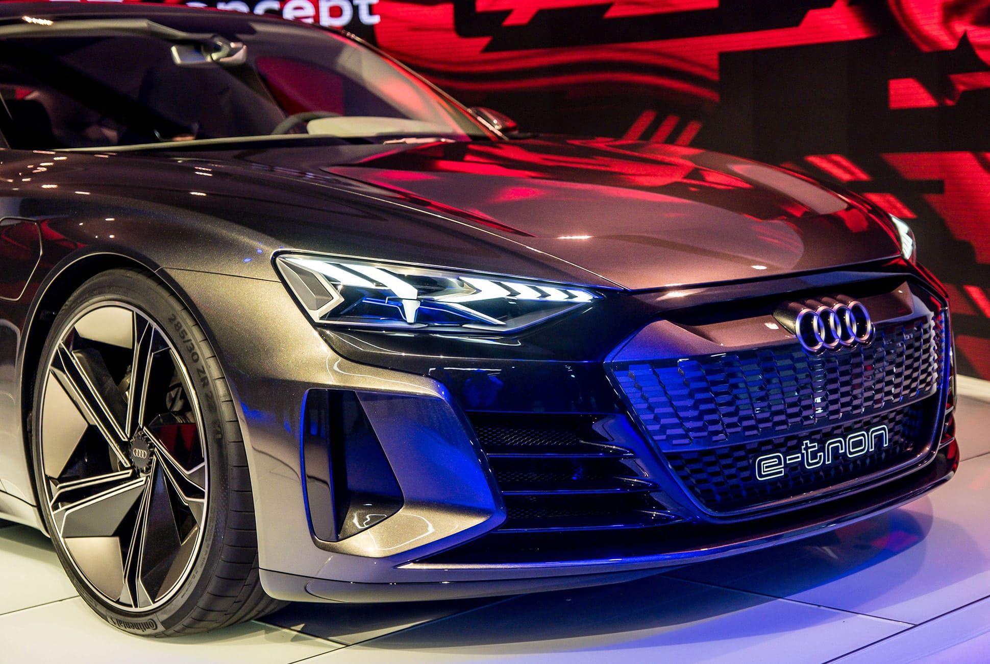 Top-10-LA-Auto-Show-Cars-gear-patrol-Audi-E-Tron-GT-slide-5