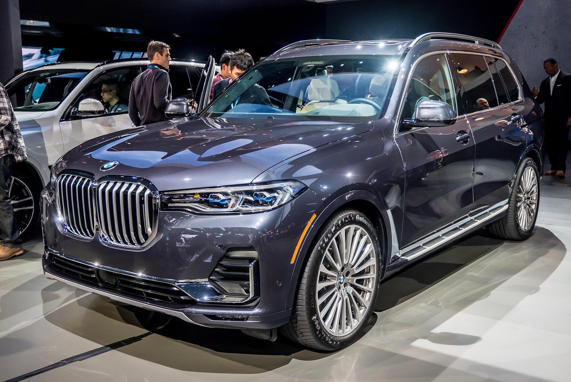 Top-10-LA-Auto-Show-Cars-gear-patrol-BMW-X7-slide-1
