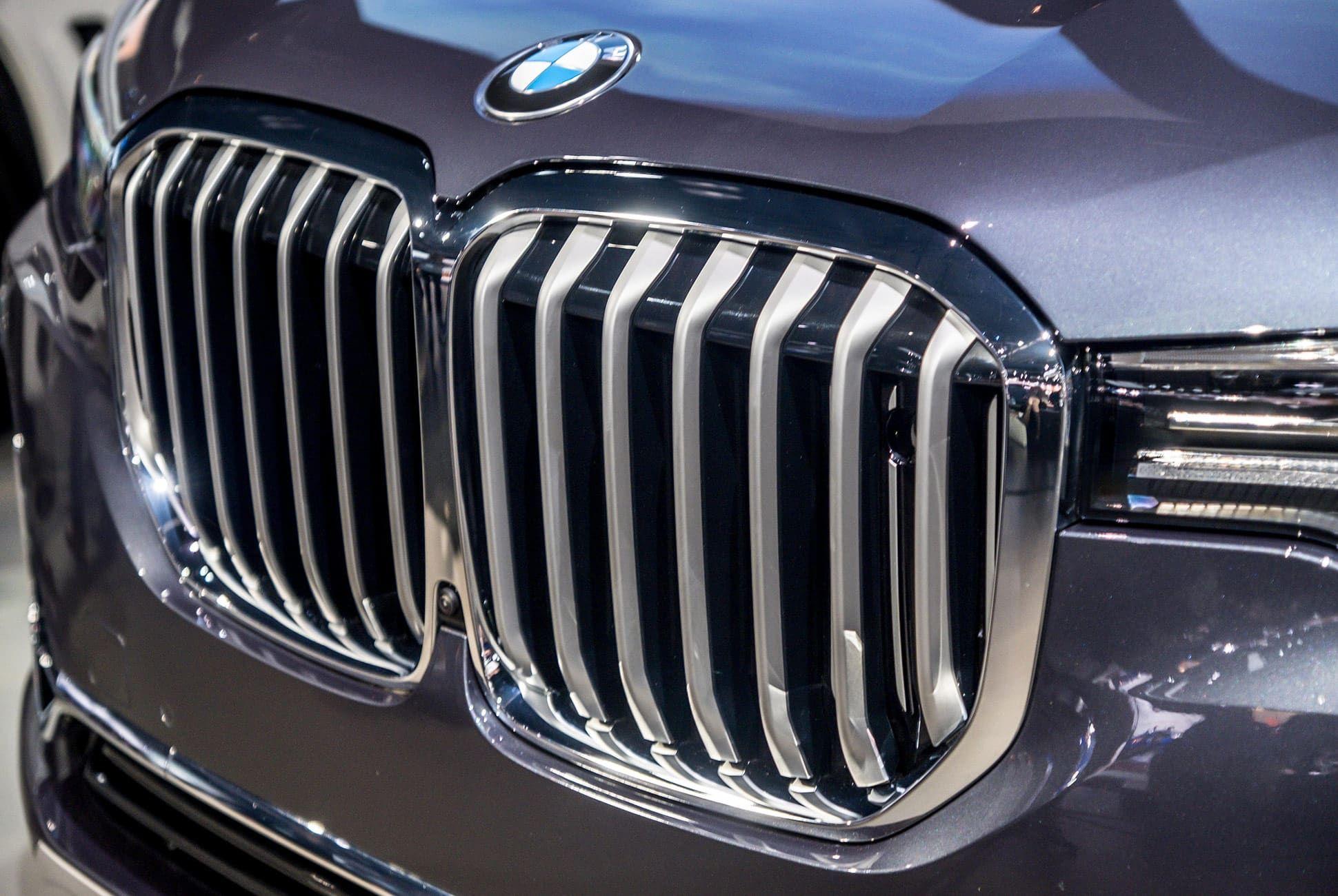 Top-10-LA-Auto-Show-Cars-gear-patrol-BMW-X7-slide-3