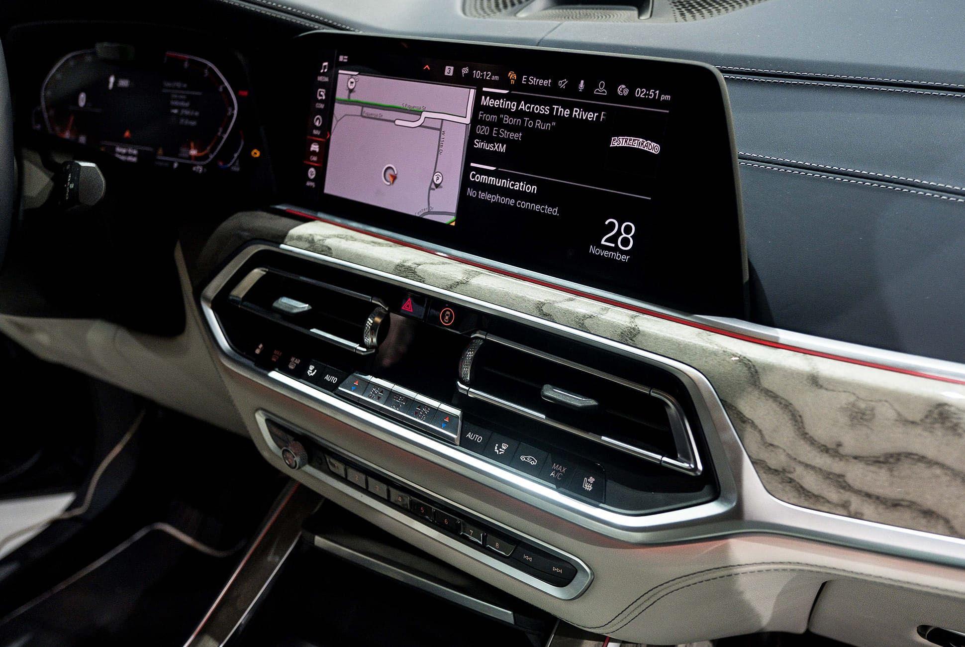 Top-10-LA-Auto-Show-Cars-gear-patrol-BMW-X7-slide-5