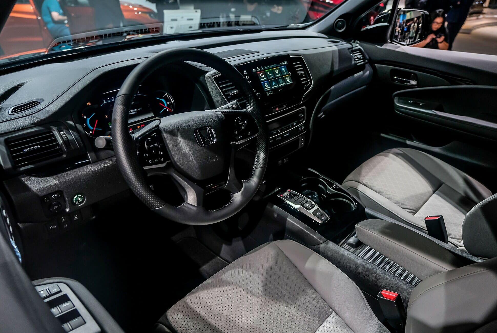 Top-10-LA-Auto-Show-Cars-gear-patrol-Honda-Passport-slide-4
