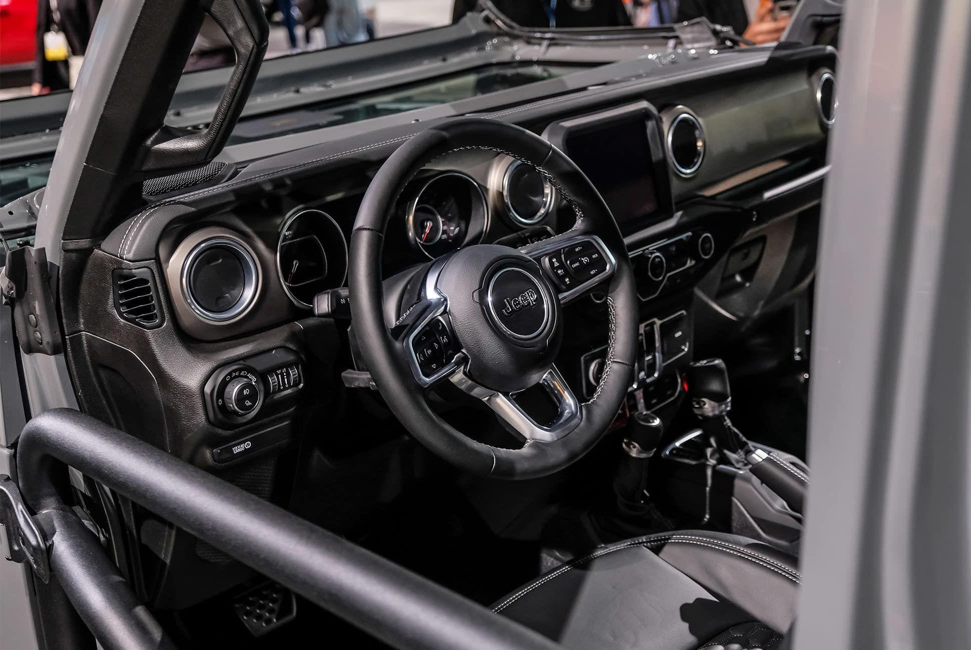 Top-10-LA-Auto-Show-Cars-gear-patrol-Jeep-Gladiator-slide-5