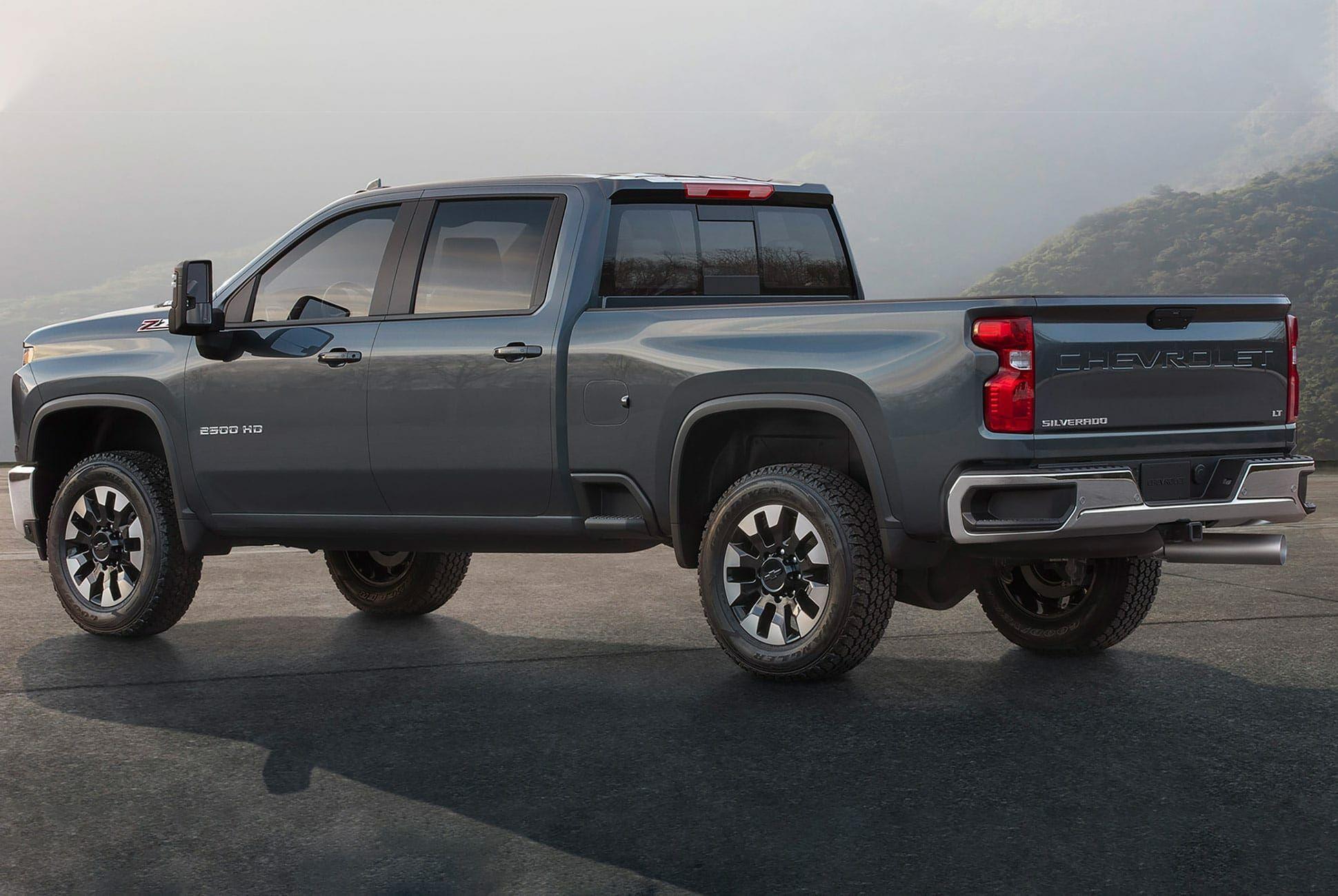 2020-Chevy-Silverado-Gear-Patrol-SLide-2