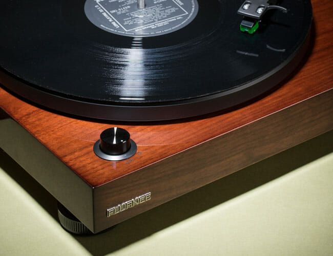 The Best All-in-One Turntables that Simplify the Vinyl Experience