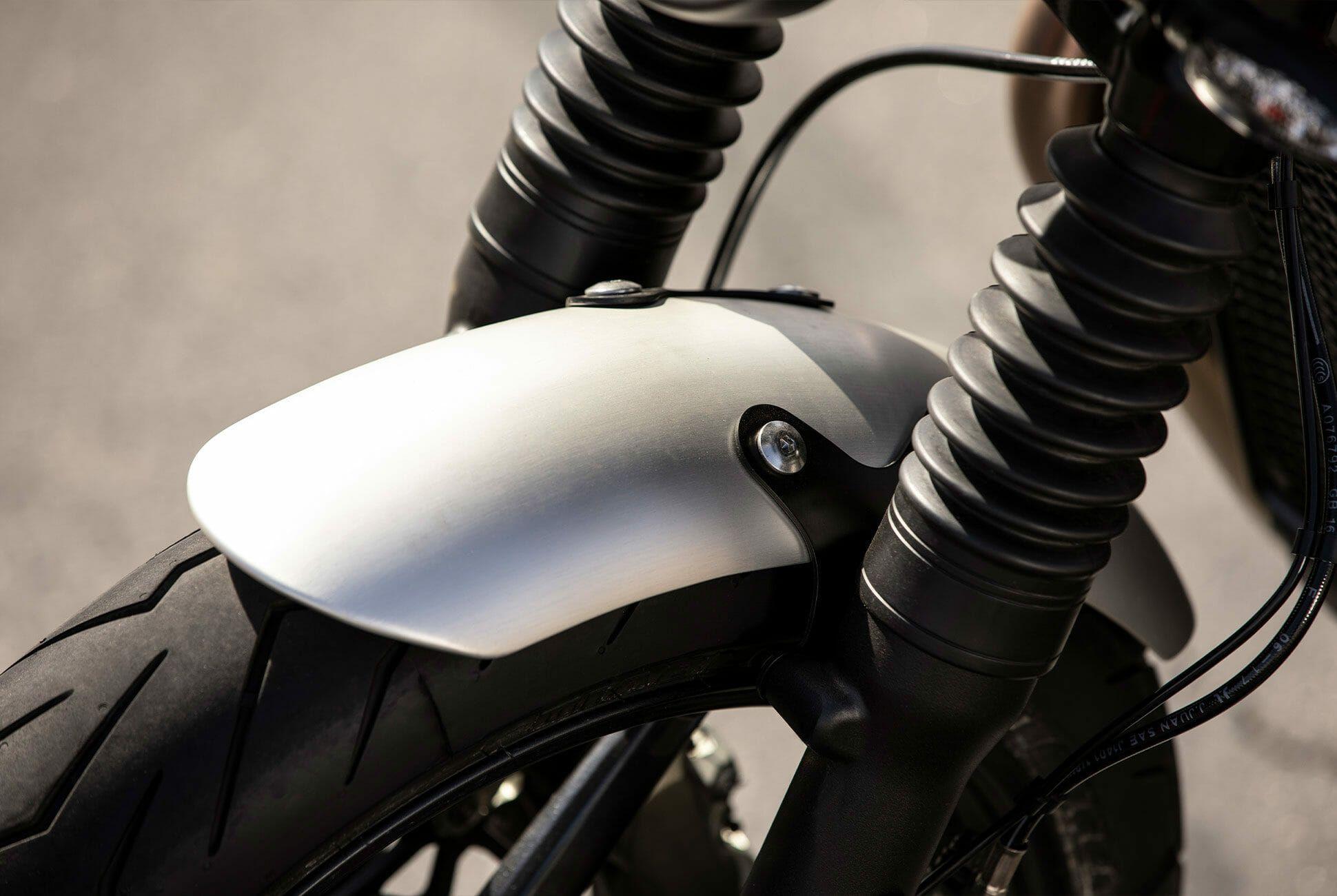 Triumph-Bonneville-Speed-Twin-Gear-Patrol-slide-5