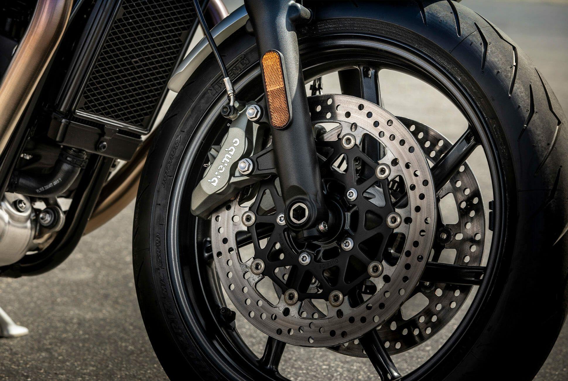 Triumph-Bonneville-Speed-Twin-Gear-Patrol-slide-8