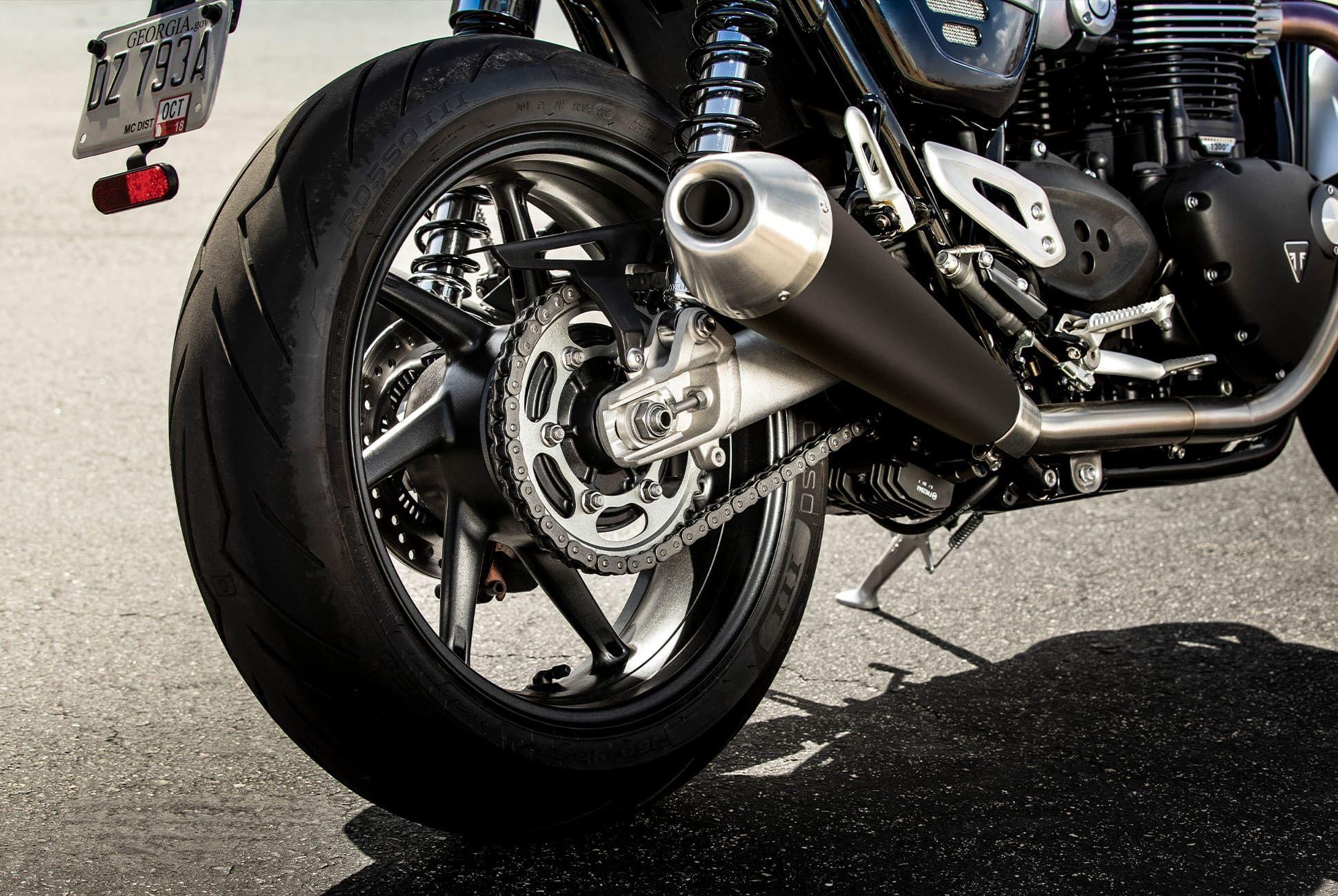 Triumph-Bonneville-Speed-Twin-Gear-Patrol-slide-9