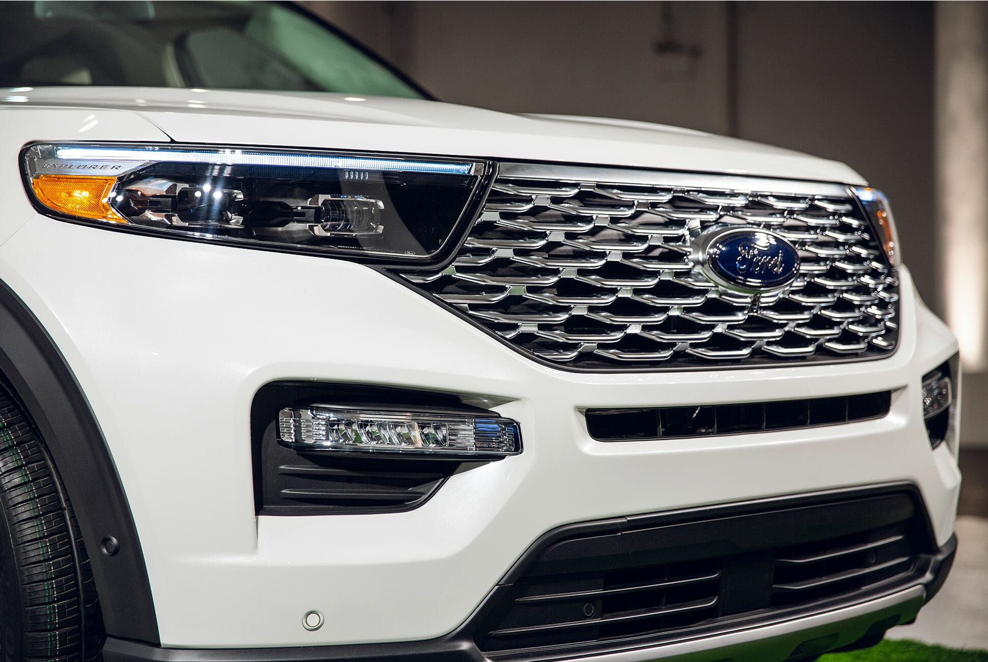 2020-Ford-Explorer-gear-patrol-slide-6