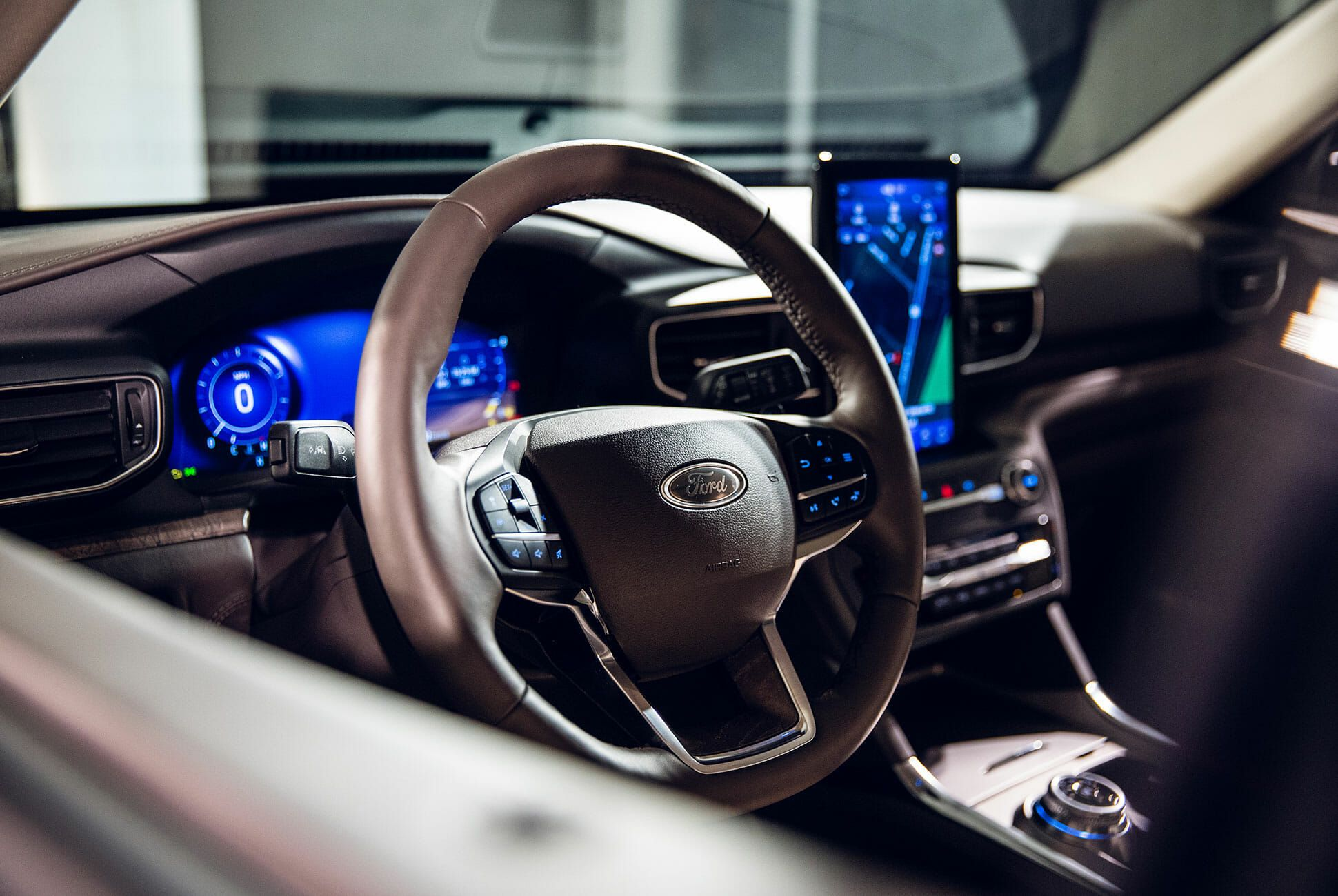 2020-Ford-Explorer-gear-patrol-slide-7