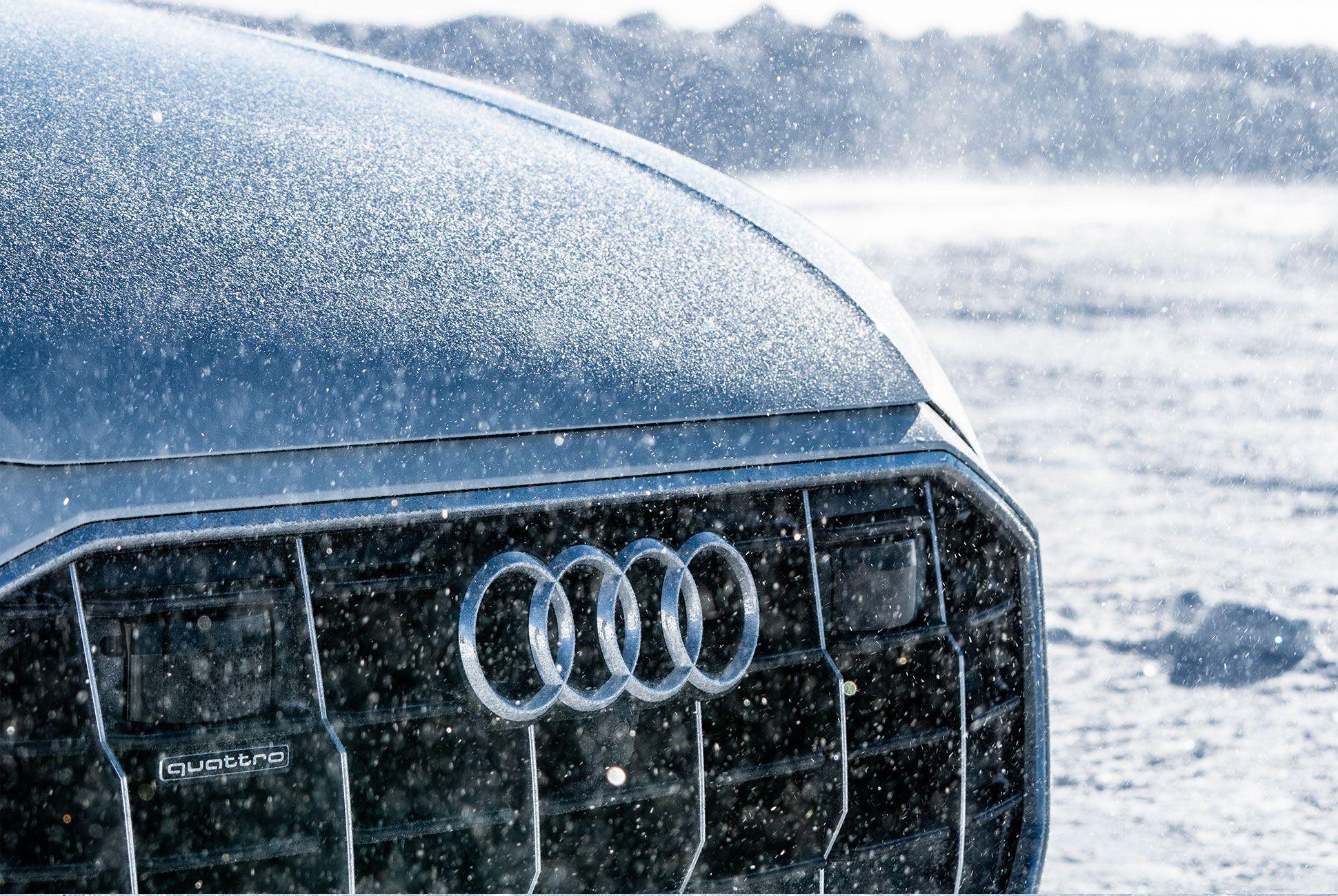 Audi-Q8-2019-gear-patrol-slide-01