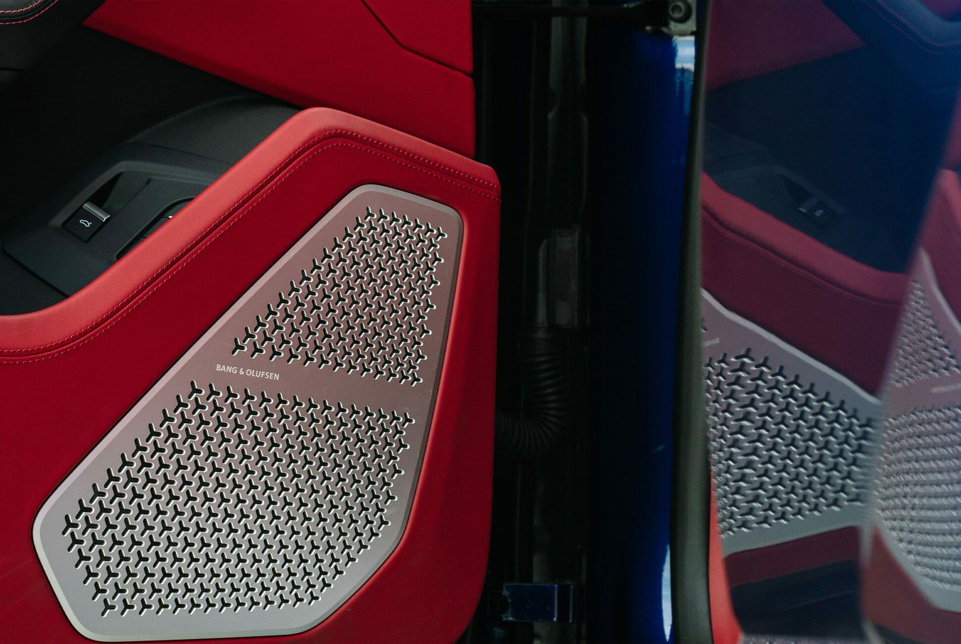 Lamborghini-Urus-Gear-Patrol-slide-5