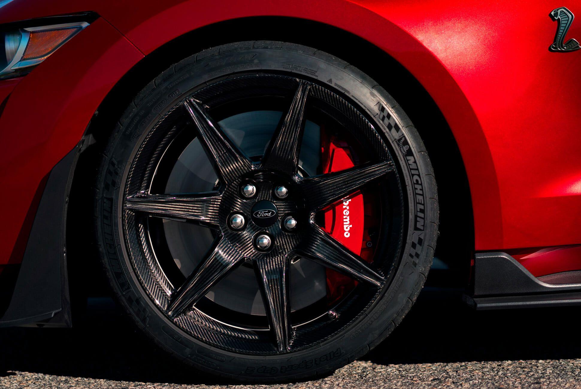 Mustang-GT500-Gear-Patrol-slide-5