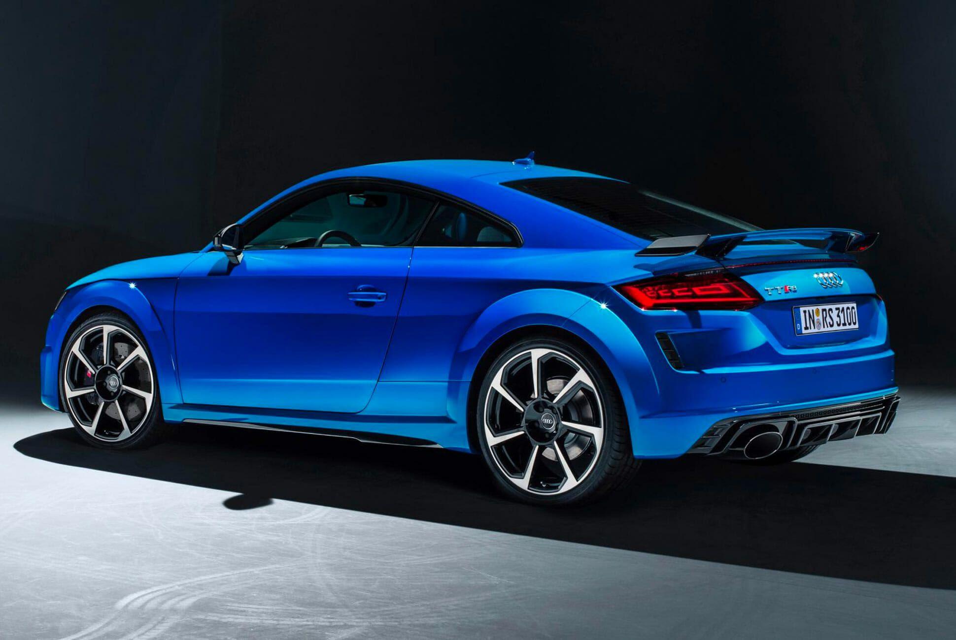 Audi-TTRS-Gear-Patrol-slide-2