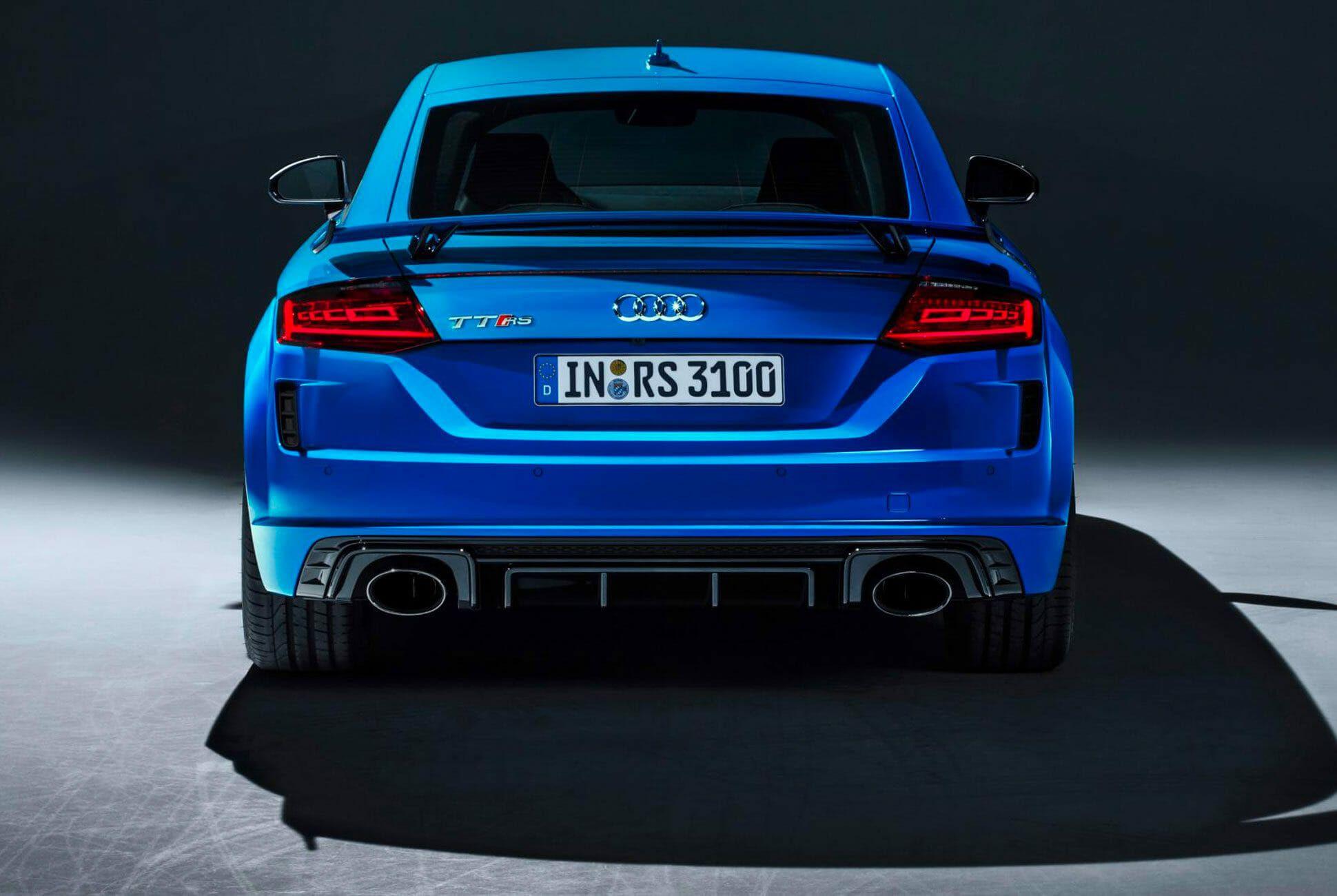 Audi-TTRS-Gear-Patrol-slide-4
