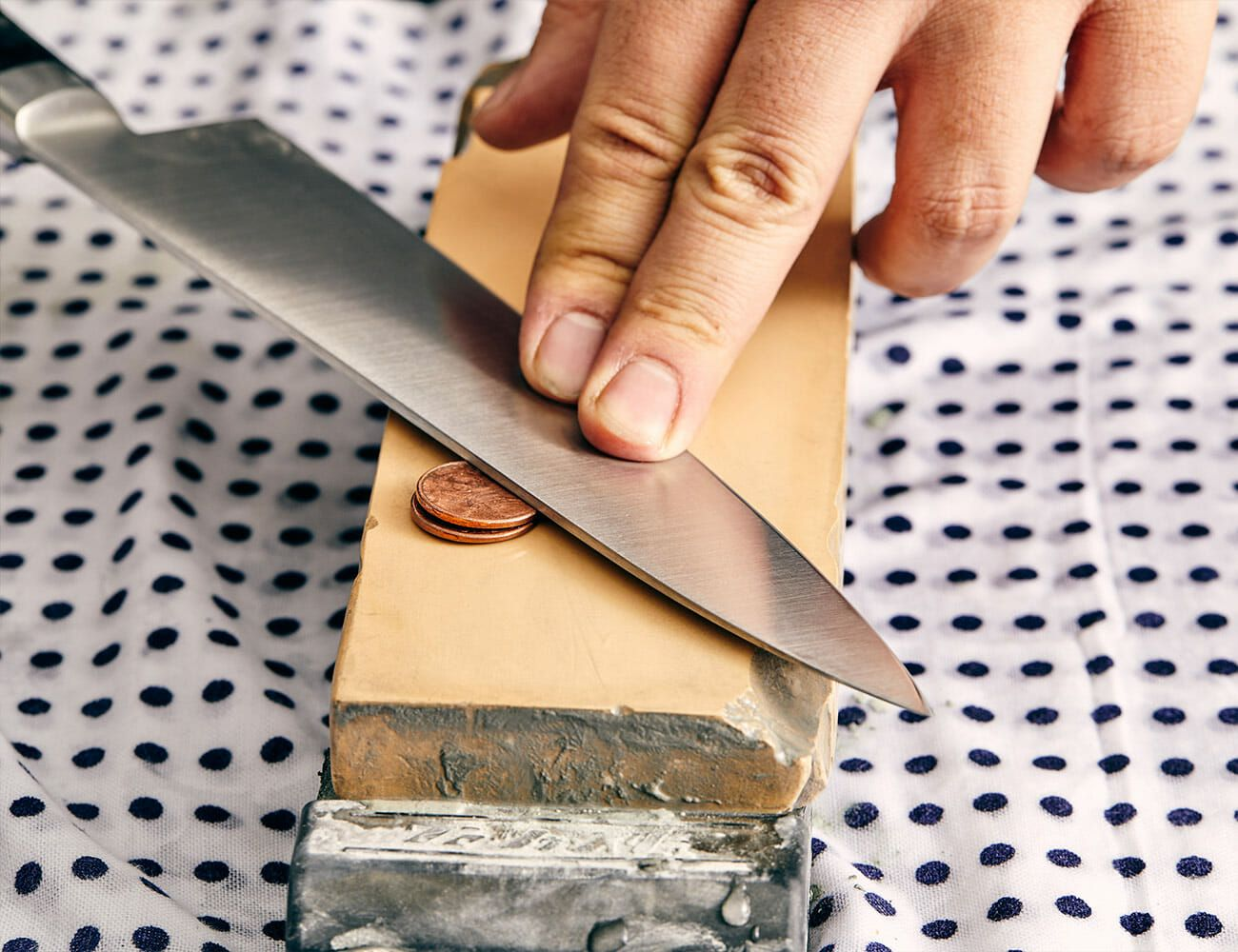 sharpening kitchen knives how to sharpen kitchen knives the right way gear patrol