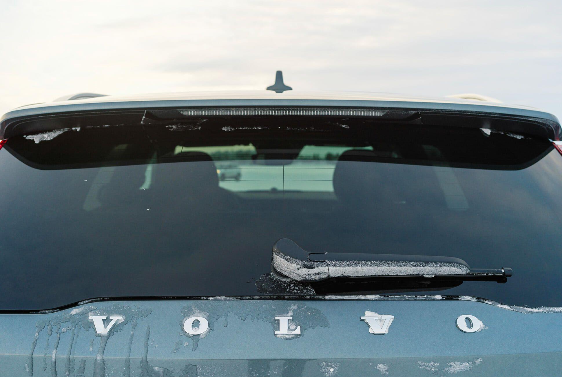 Volvo-V60-CC-gear-patrol-slide-2
