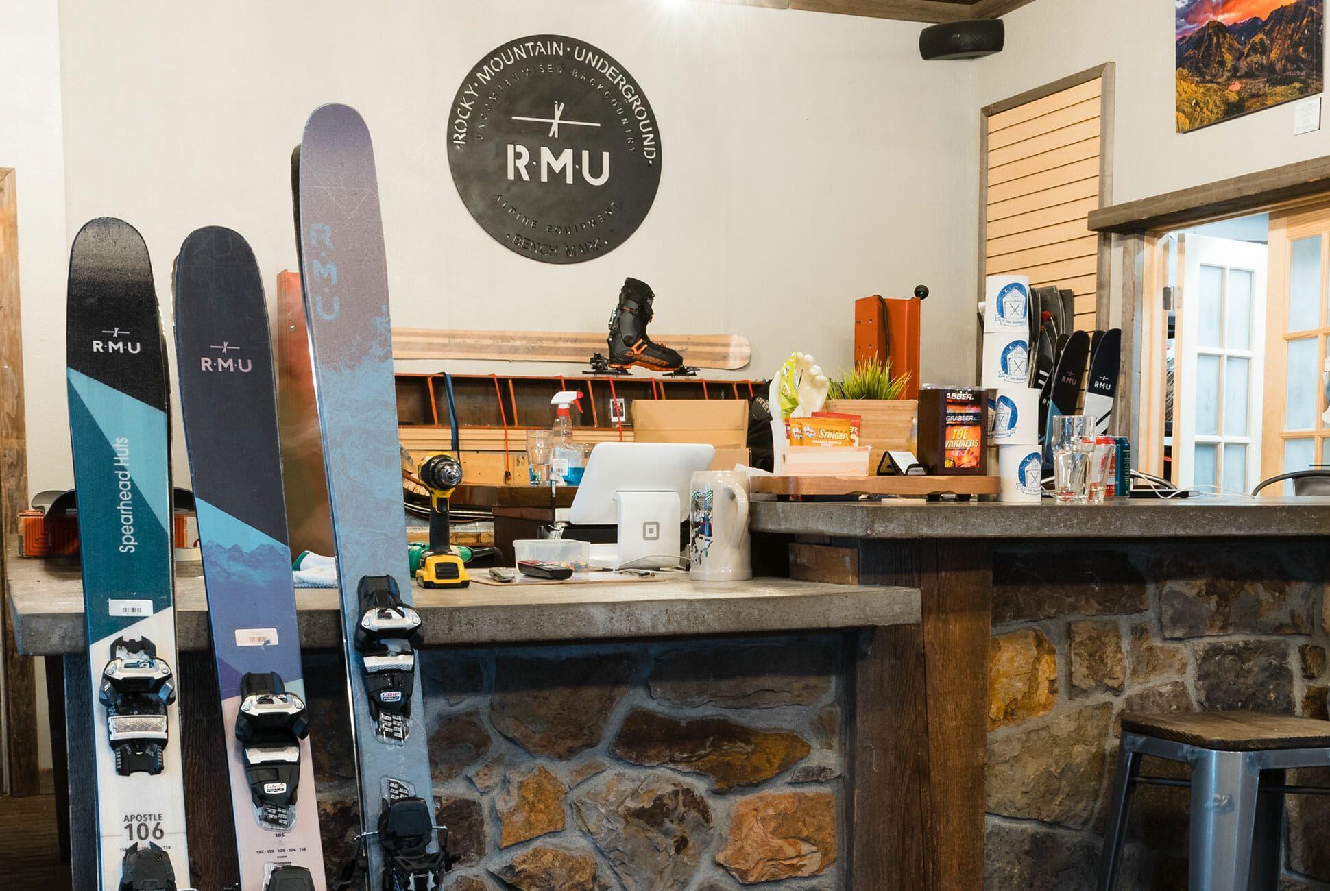 The 16 Best Ski and Snowboard Shops in America • Gear Patrol