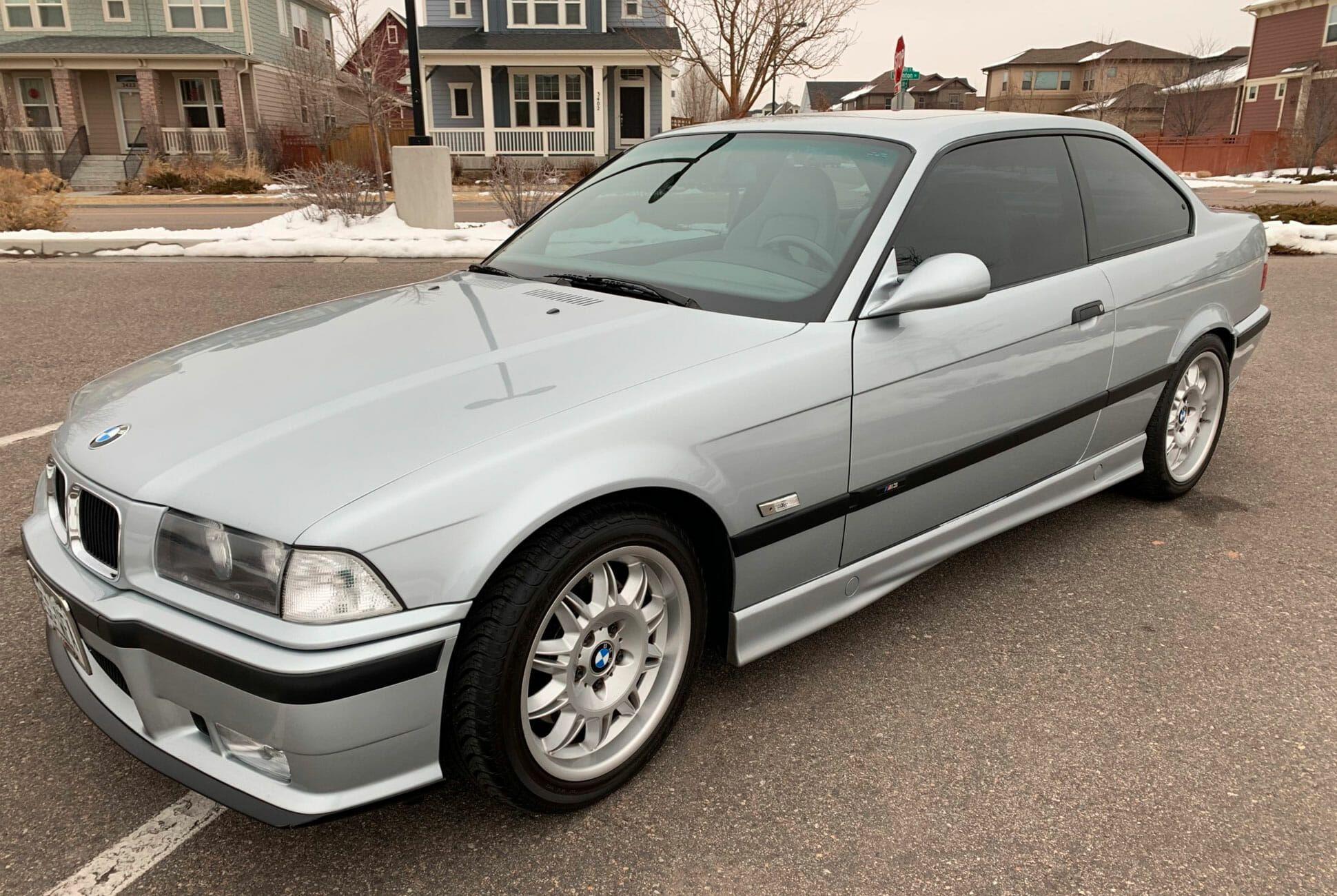 1996-BMW-M3-Coupe-5-Speed-gear-patrol-slide-01