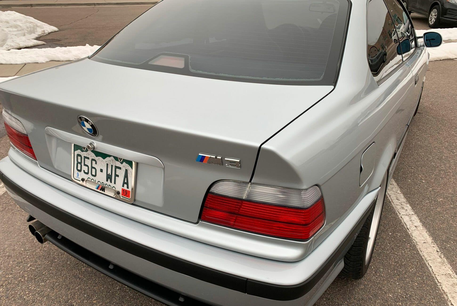 1996-BMW-M3-Coupe-5-Speed-gear-patrol-slide-03