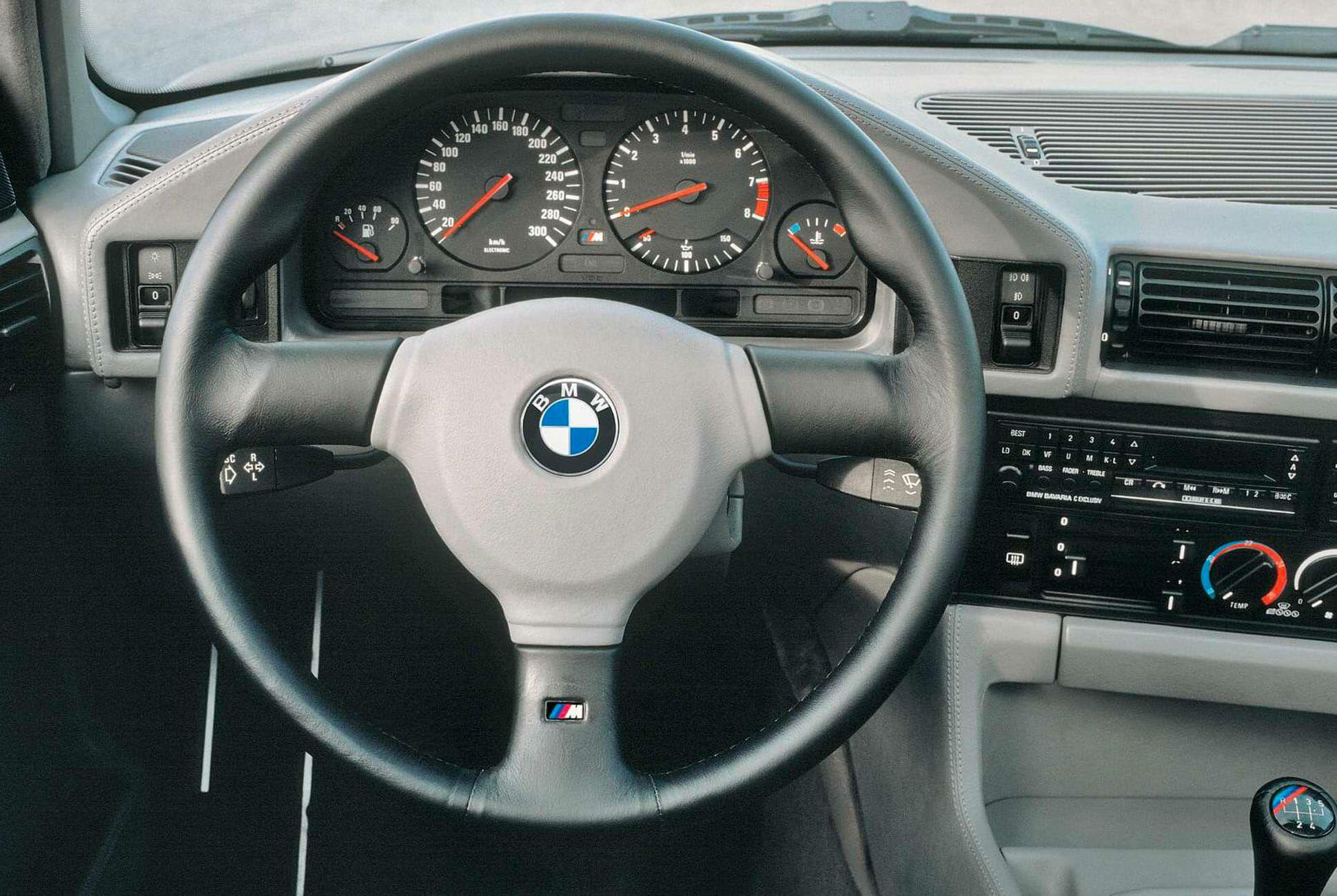 E34-BMW-M5-gear-patrol-slide-3