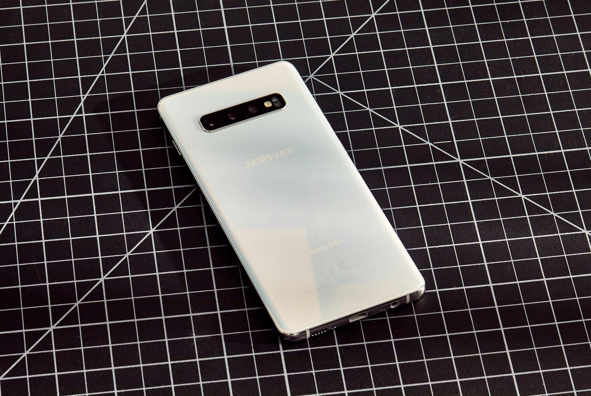 Galaxy-S10-Review-Gear-Patrol-Slide-2