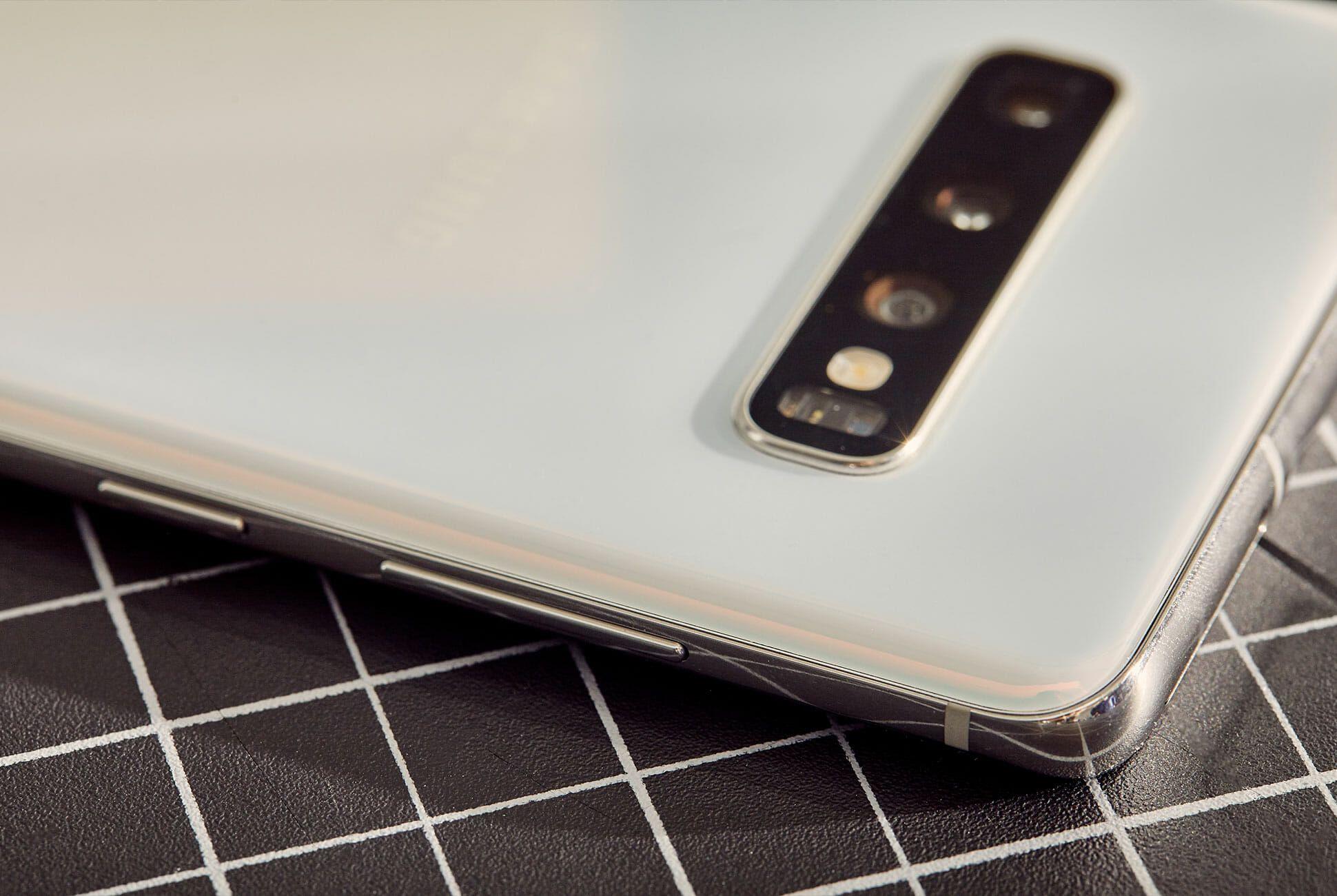 Galaxy-S10-Review-Gear-Patrol-Slide-3