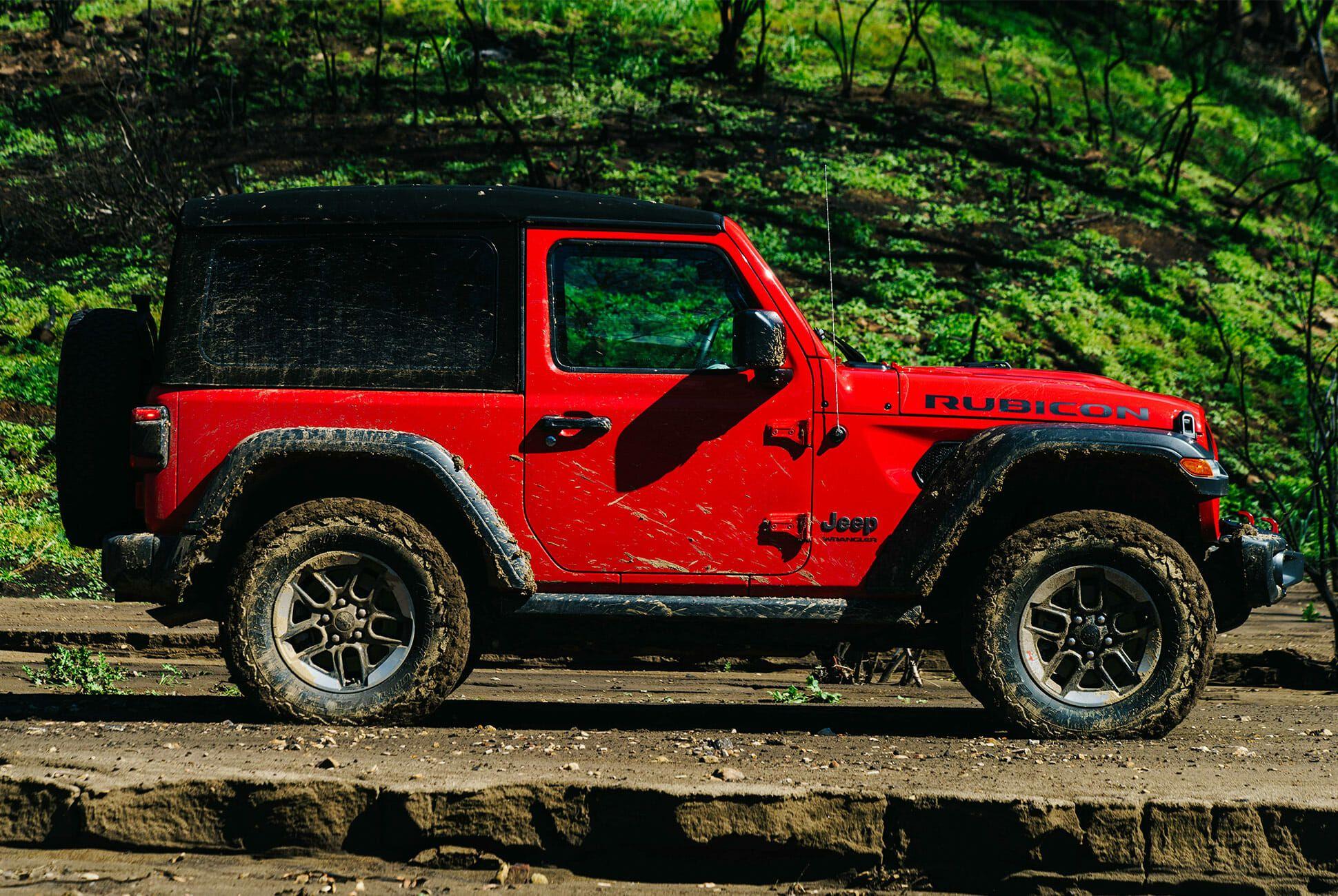 Jeep-Wrangler-2-0-Turbo-gear-patrol-slide-2