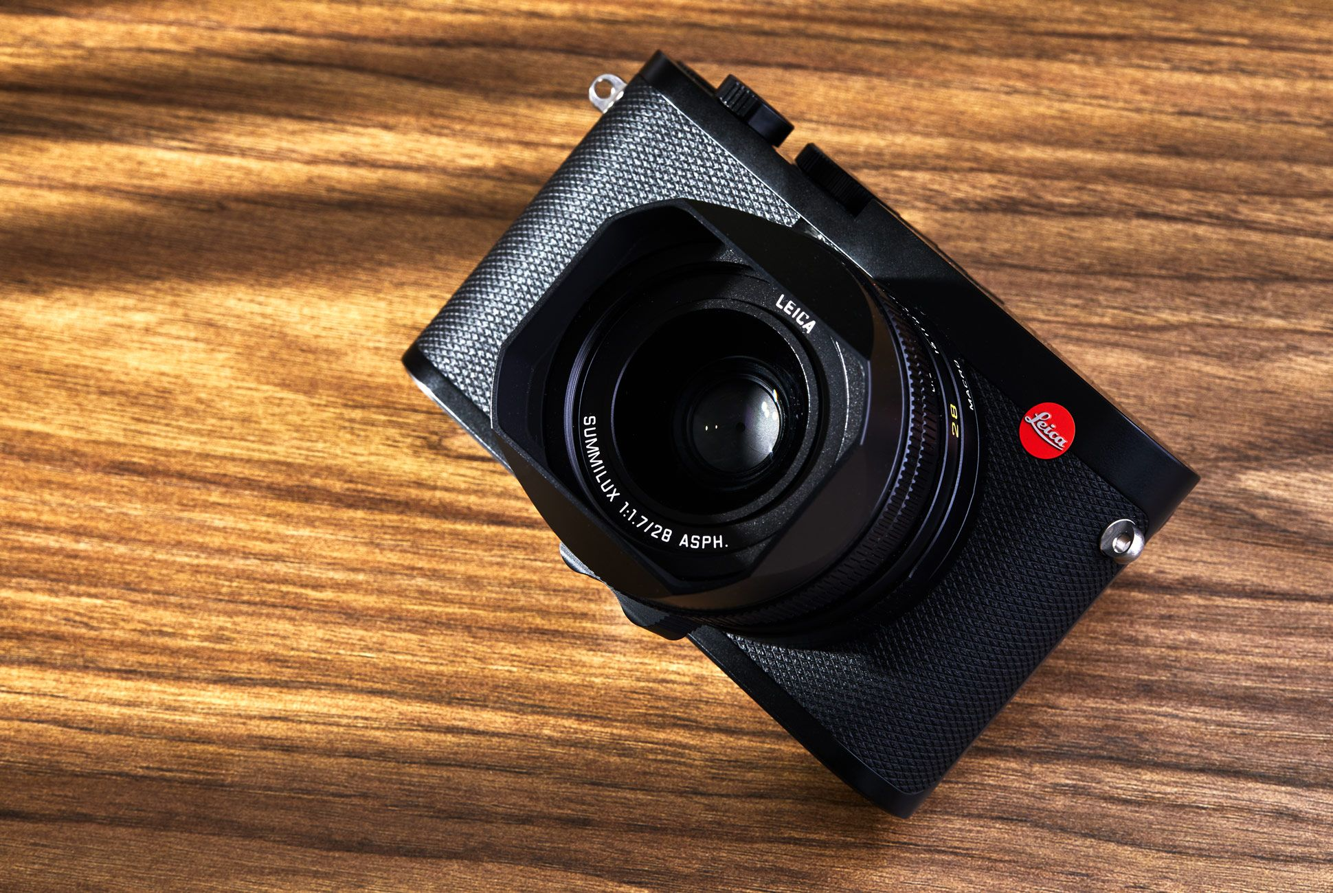 Leica Q2 Review Lead