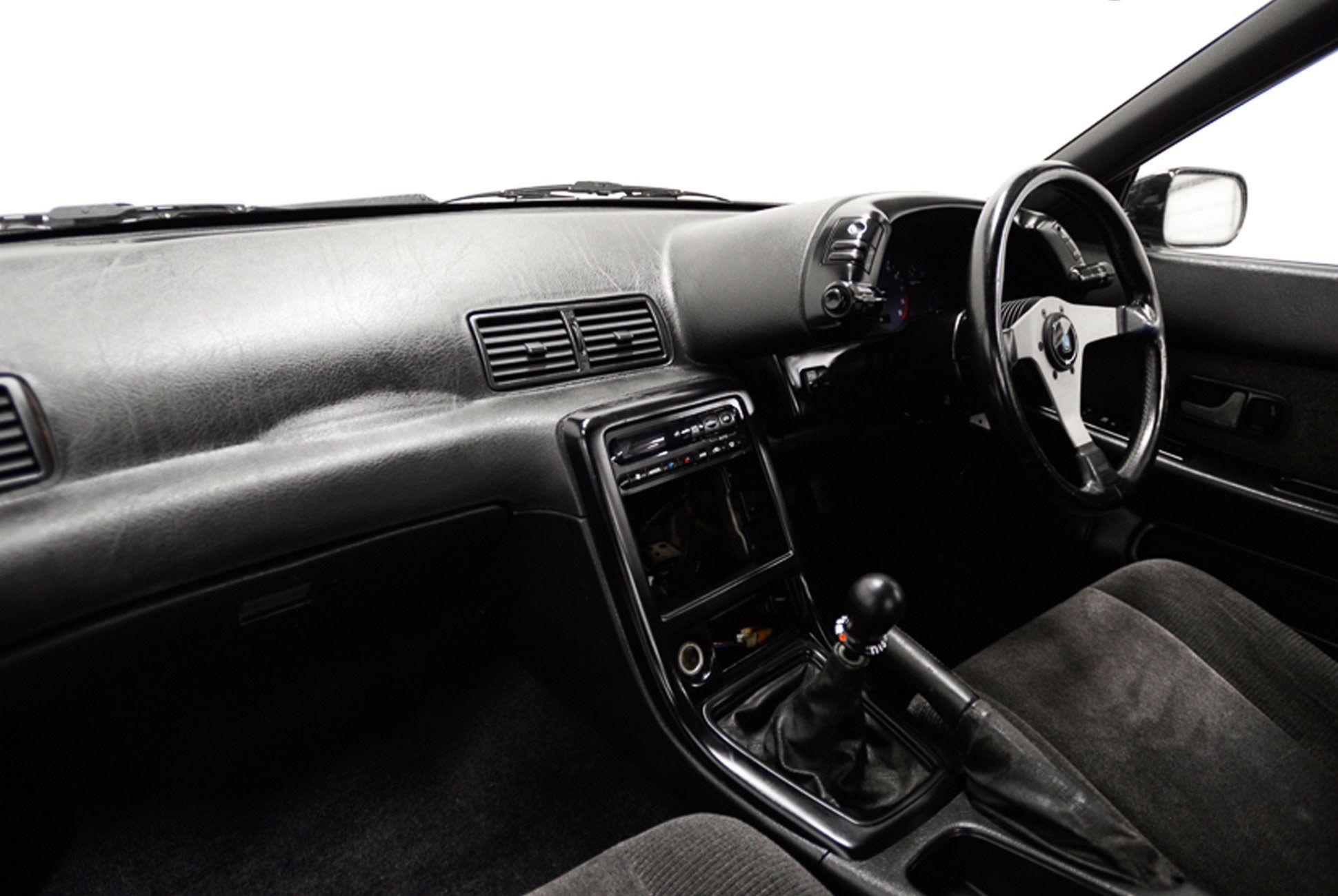 1989-Nissan-Skyline-R32-gear-patrol-slide-4