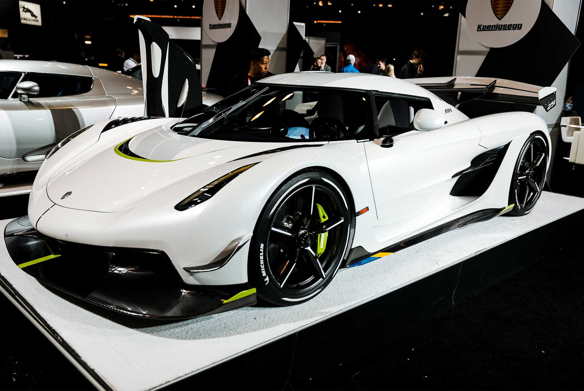 Ny Car Show >> The Best New Cars Of The 2019 New York Auto Show Gear Patrol