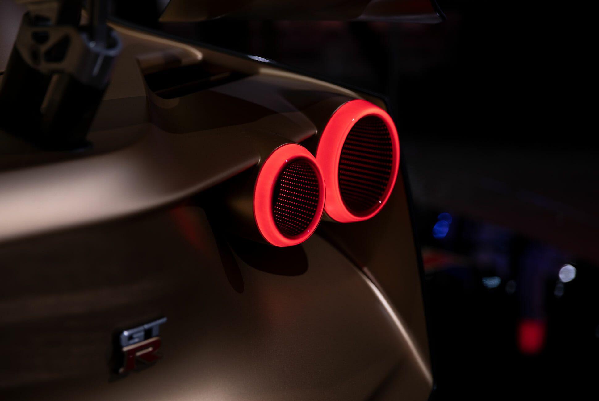 NYIAS-Details-Gear-Patrol-GTR-Slide-1